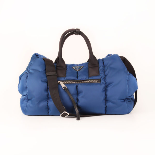 Imagen del strap del bolso prada bomber azul