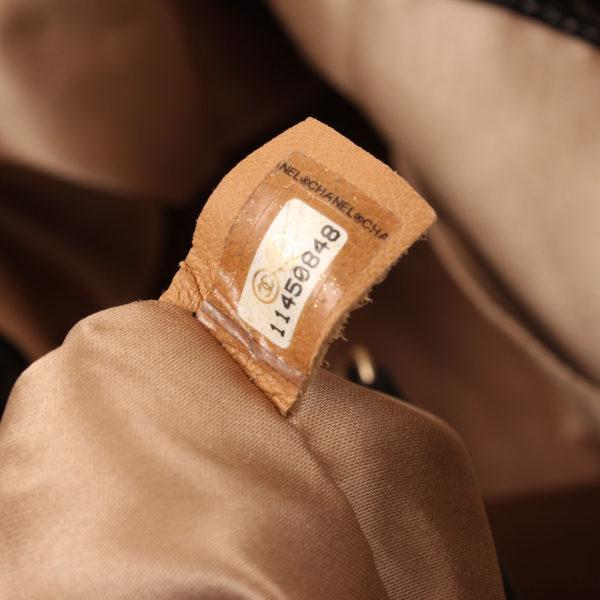 Imagen del serial del bolso chanel patent negro