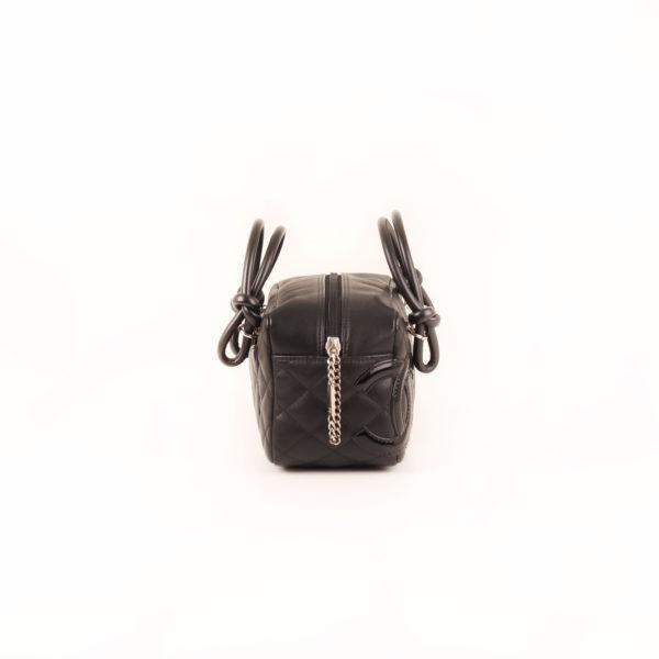 Imagen del lado 1 del bolso chanel cambon negro
