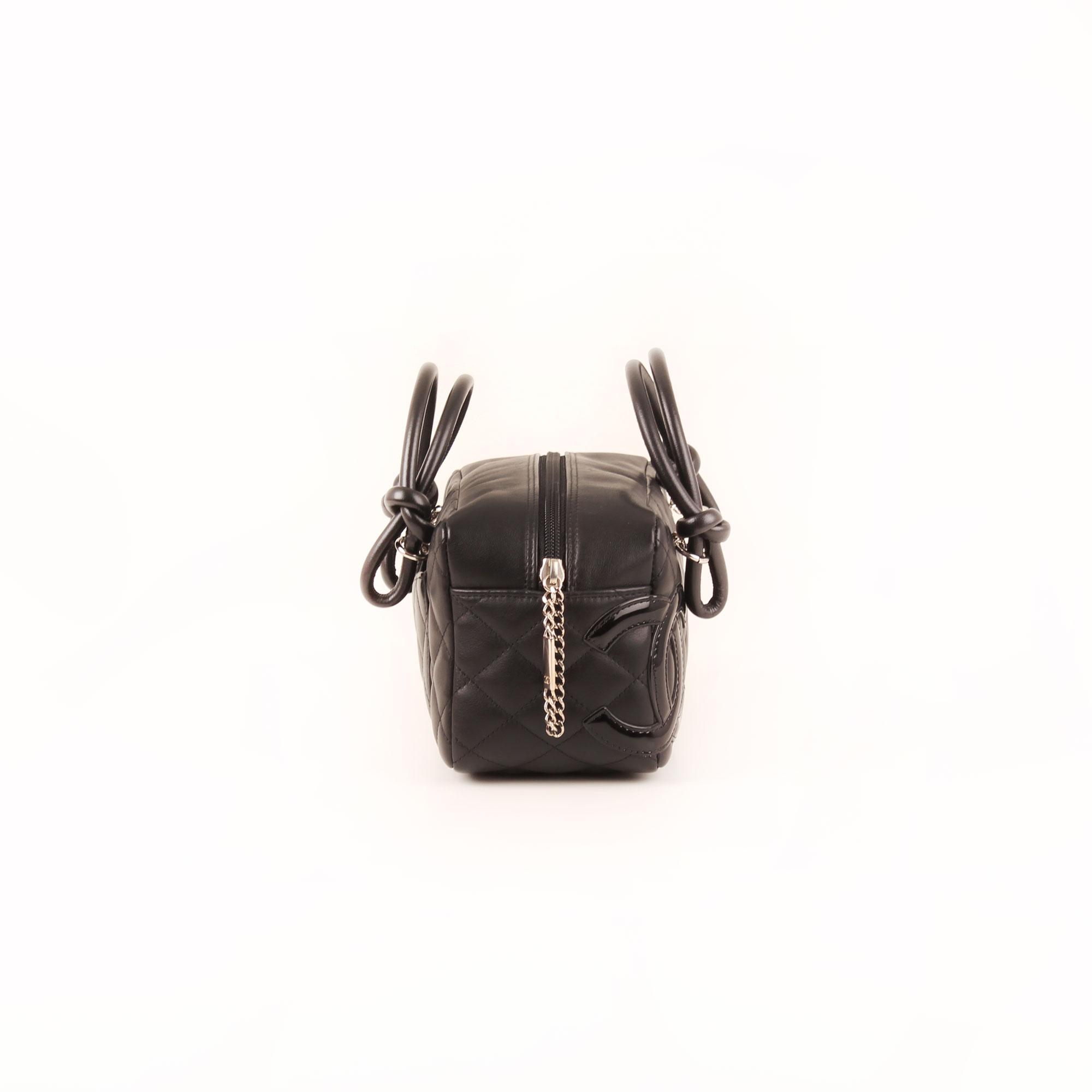 3c4301df49da Imagen del lado 1 del bolso chanel cambon negro