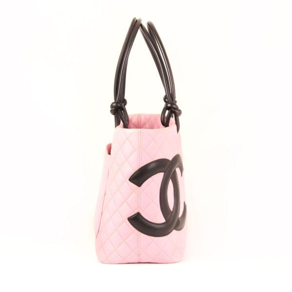 Imagen del lado 1 del bolso chanel cambon rosa