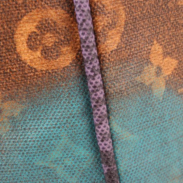 Imagen del detalle de la piel del bolso louis vuitton prince