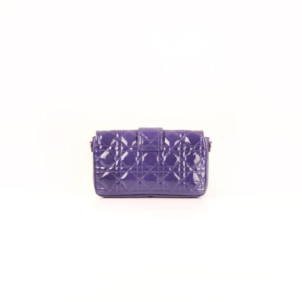 Imagen trasera del bolso dior promenade purple bag