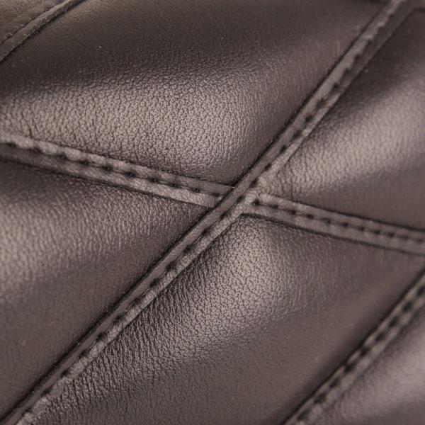 Imagen de la cadena del bolso Louis vuitton go 14 en piel negra