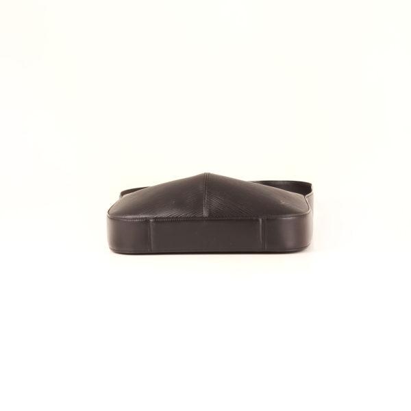 bolso-louis-vuitton-reverie-epi-negro-base