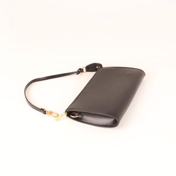bolso-louis-vuitton-reverie-epi-negro-pochette
