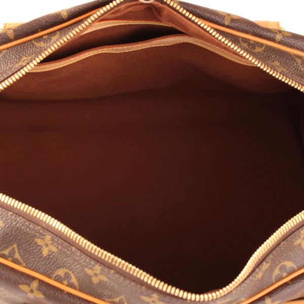 louis-vuitton-carryall-monogram-canvas-leather-interior