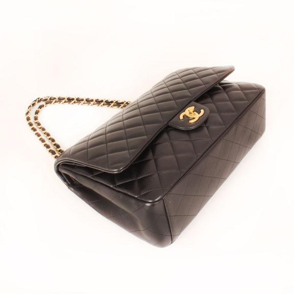 Imagen general del bolso chanel double flap timeless maxi en piel de cordera negra
