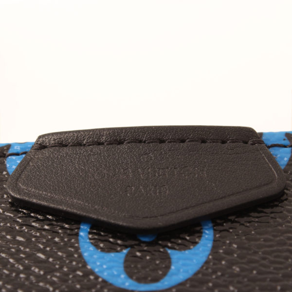 louis-vuitton-pochette-mini-accessoires-monogram-azul-negro-marca