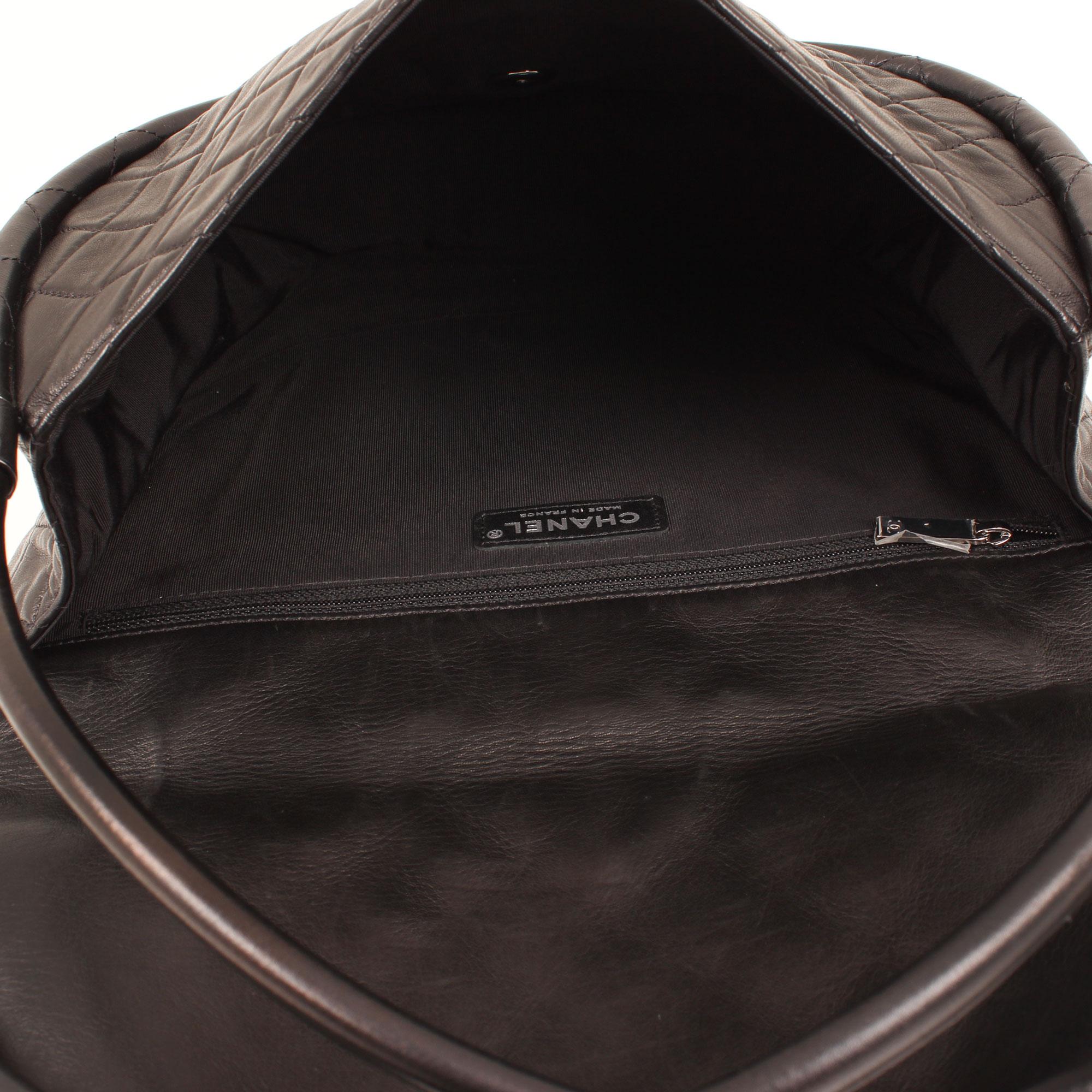 bag-chanel-hula-hoop-black-interior