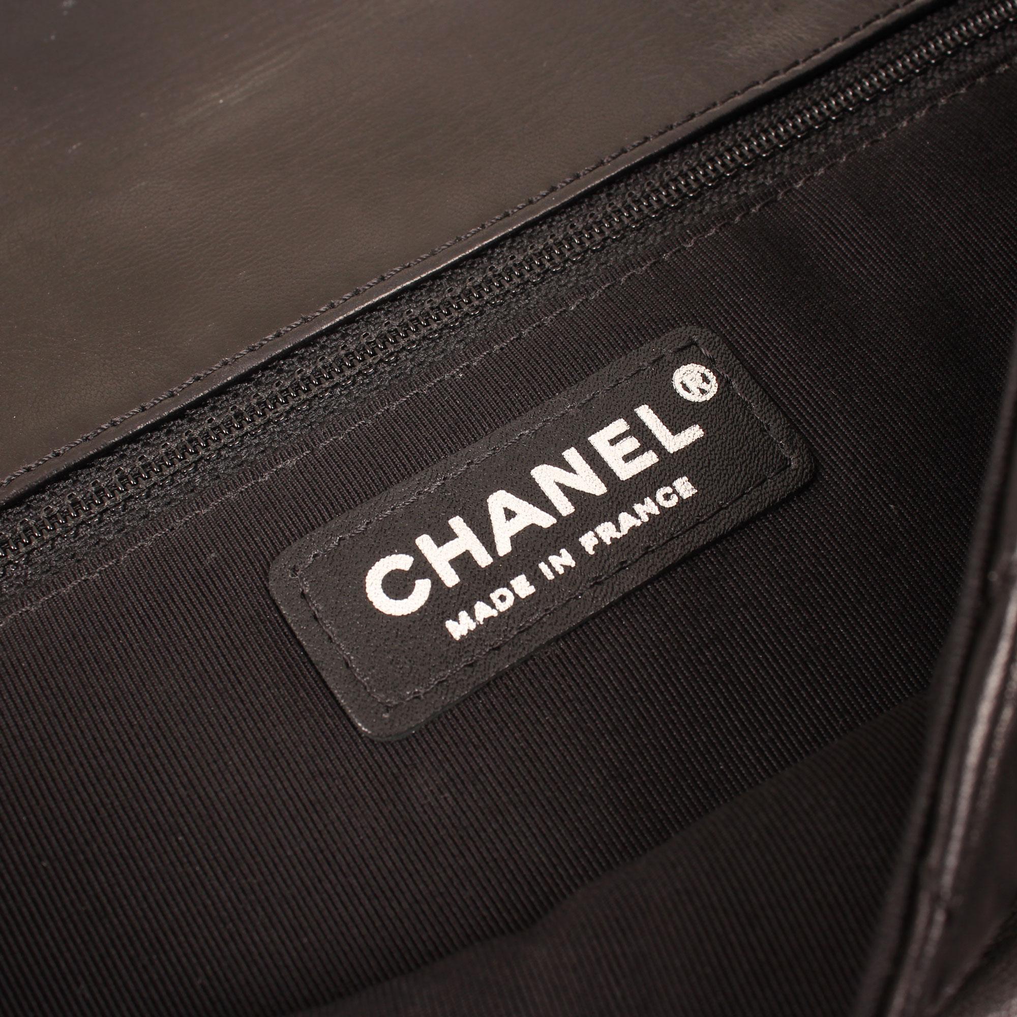 bolso-chanel-hula-hopp-negro-marca