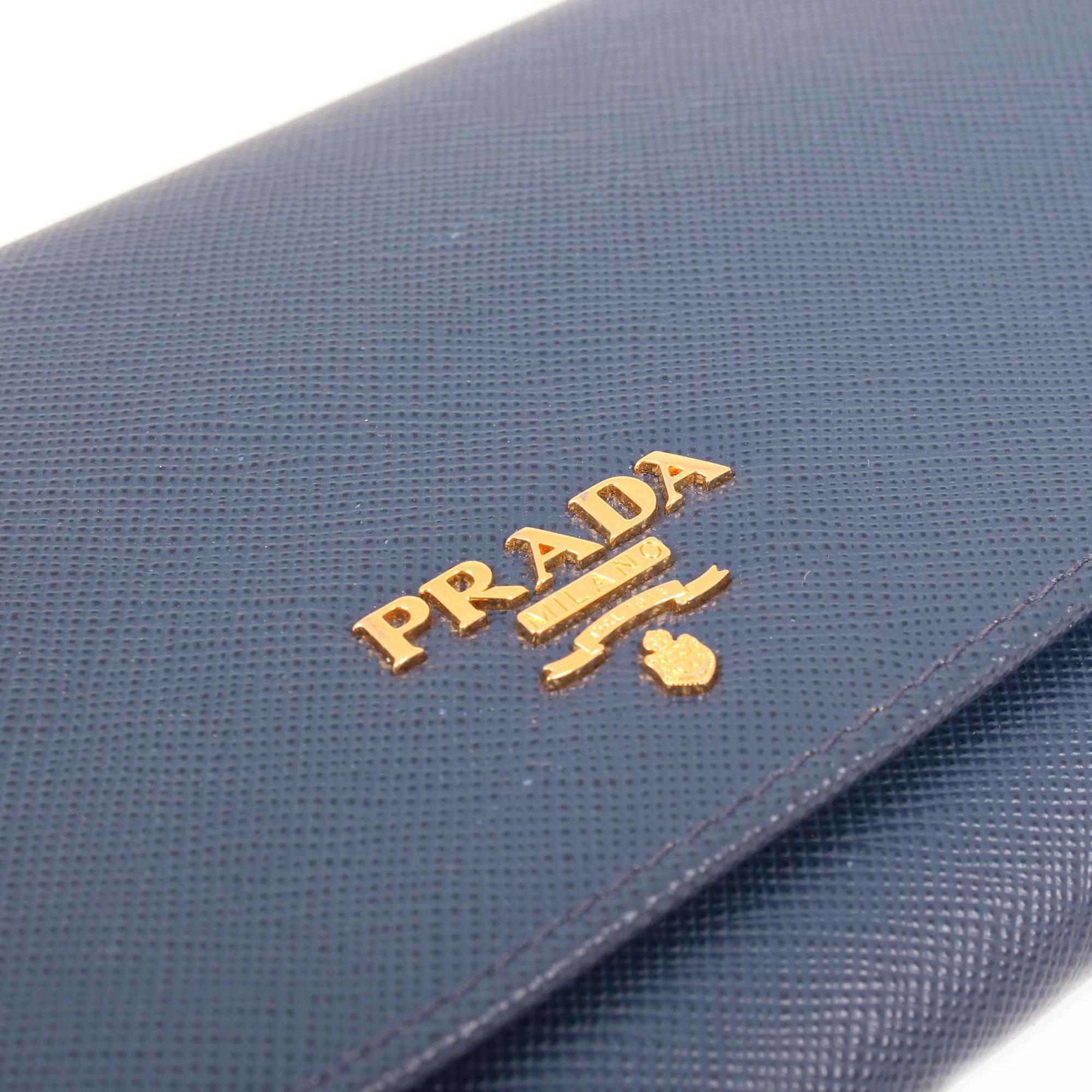 bolso-prada-wallet-on-chain-saffiano-metal-bluette-blue-logo