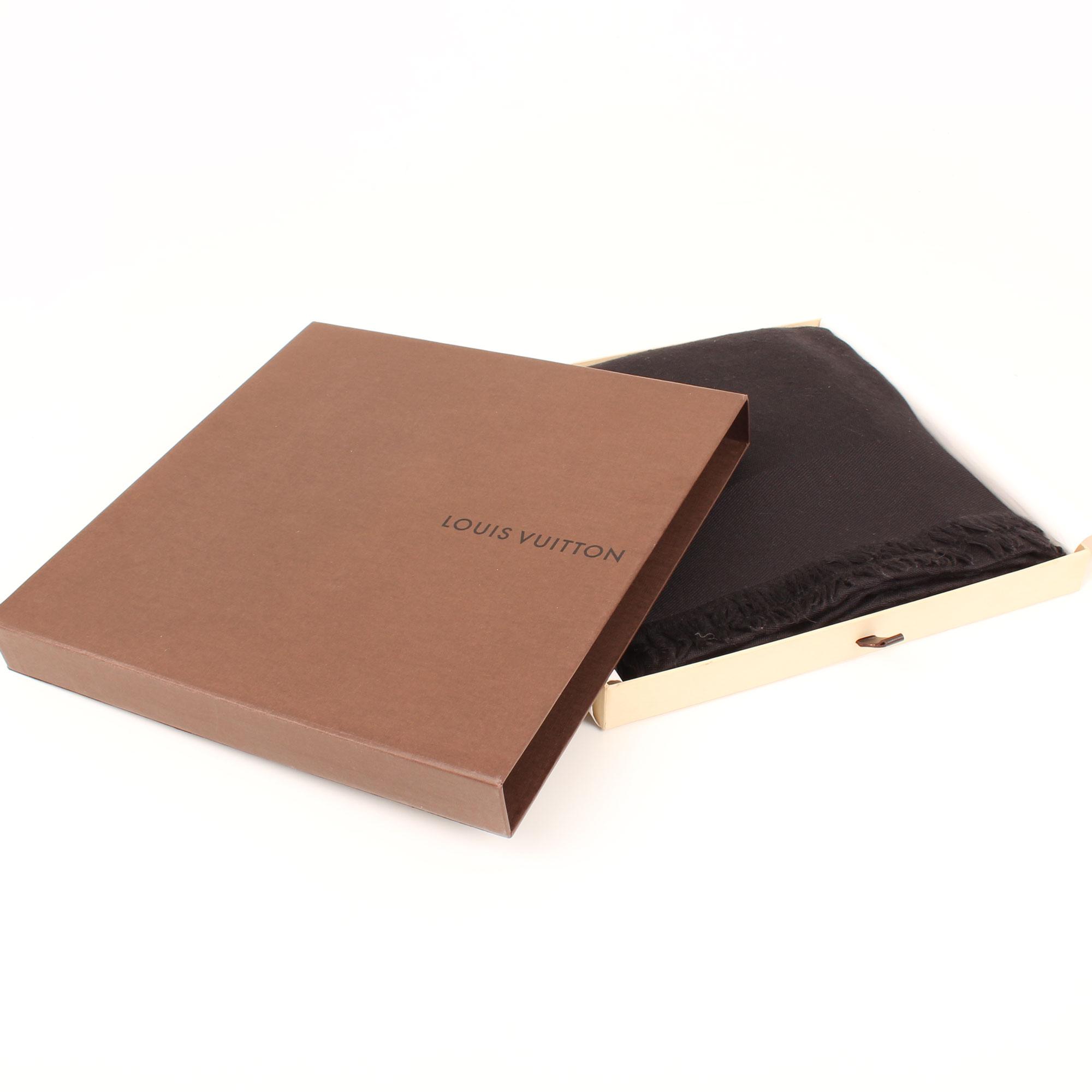 shawl-louis-vuitton-monogram-black-box