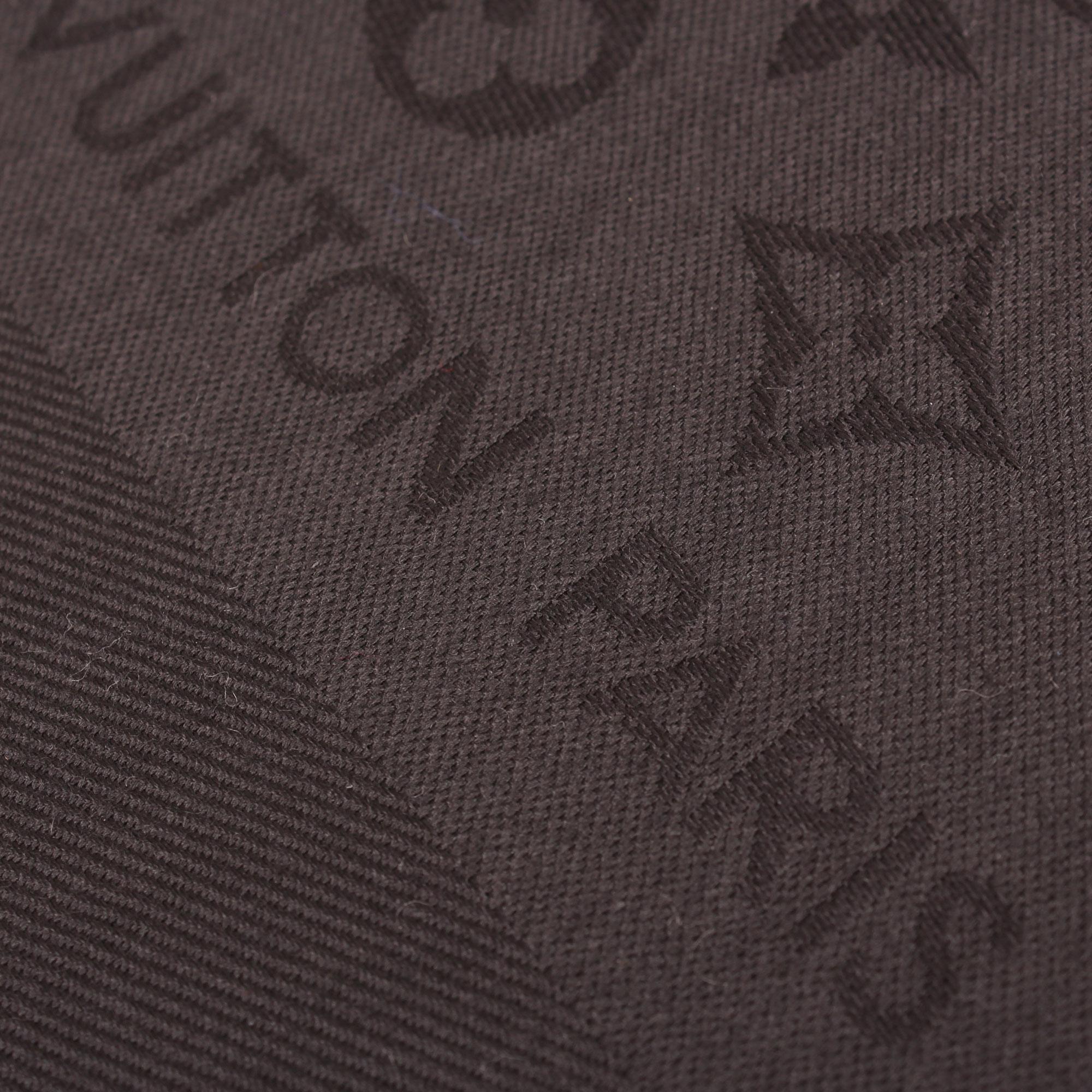 shawl-louis-vuitton-monogram-black-detail