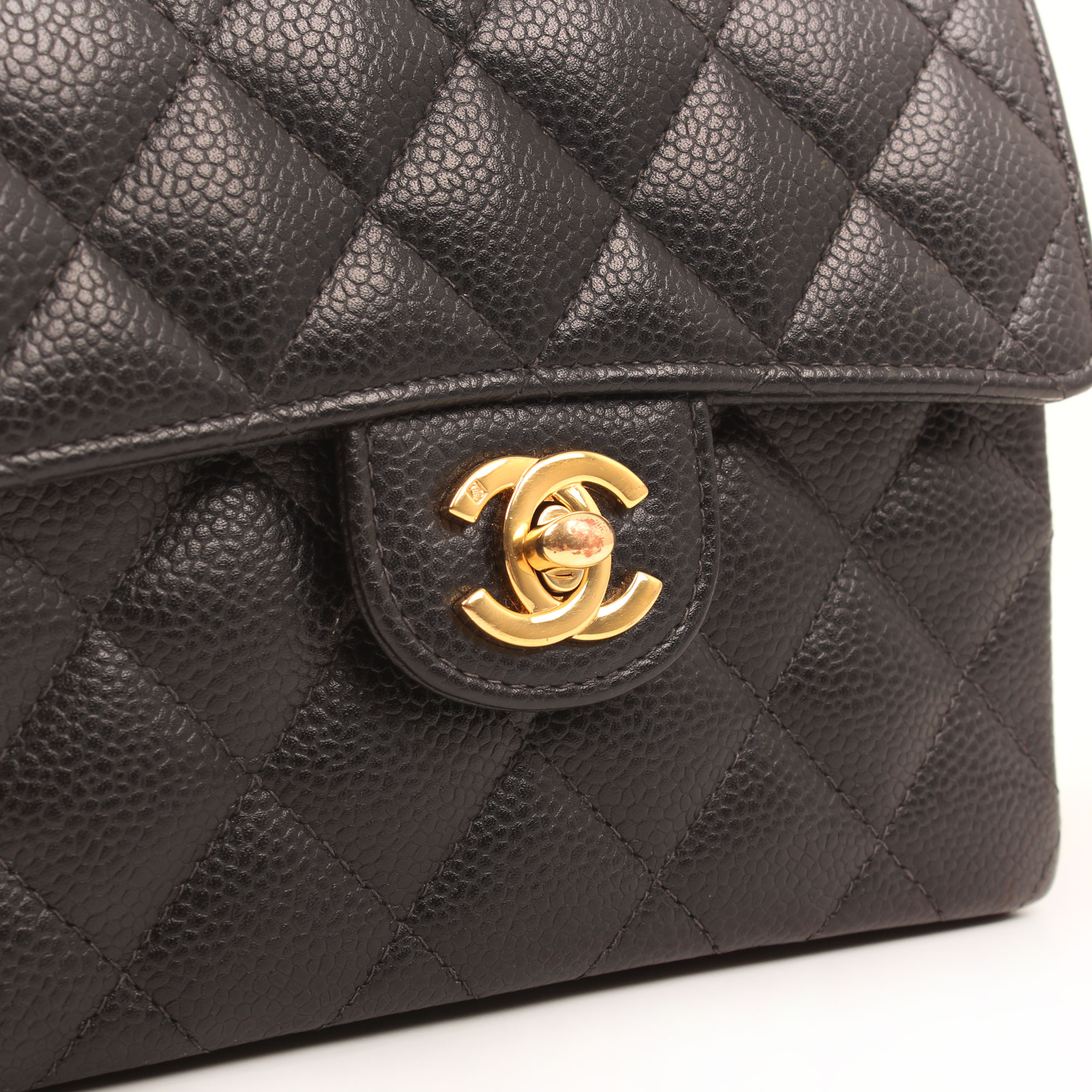 bolso-chanel-mini-caviar-negro-single-flap-cierre