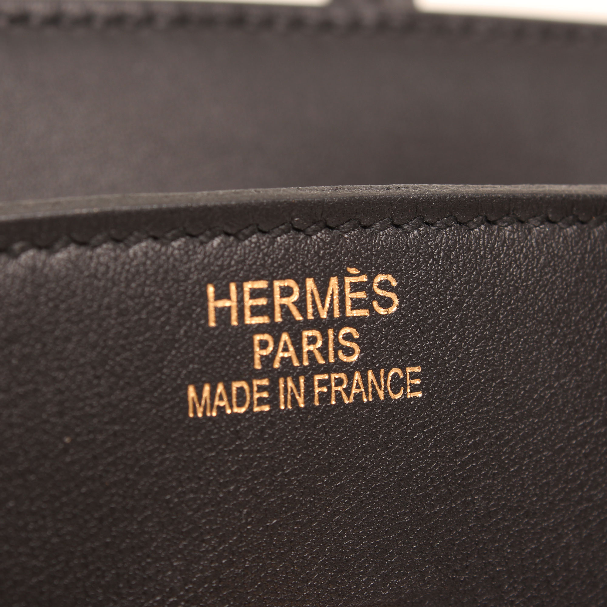 Imagen de la firma del bolso hermes birkin 35 chamonix negro