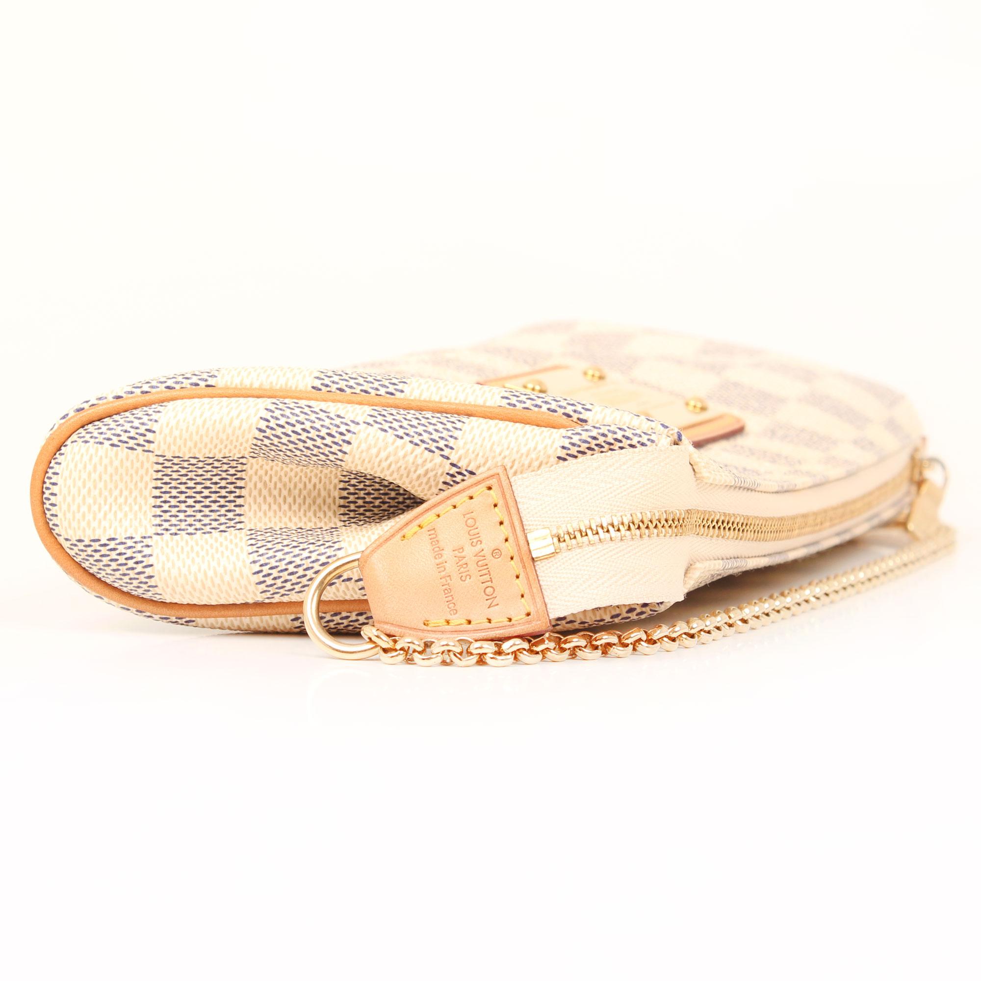 pochette-louis-vuitton-eva-damier-azur-cremallera-marca