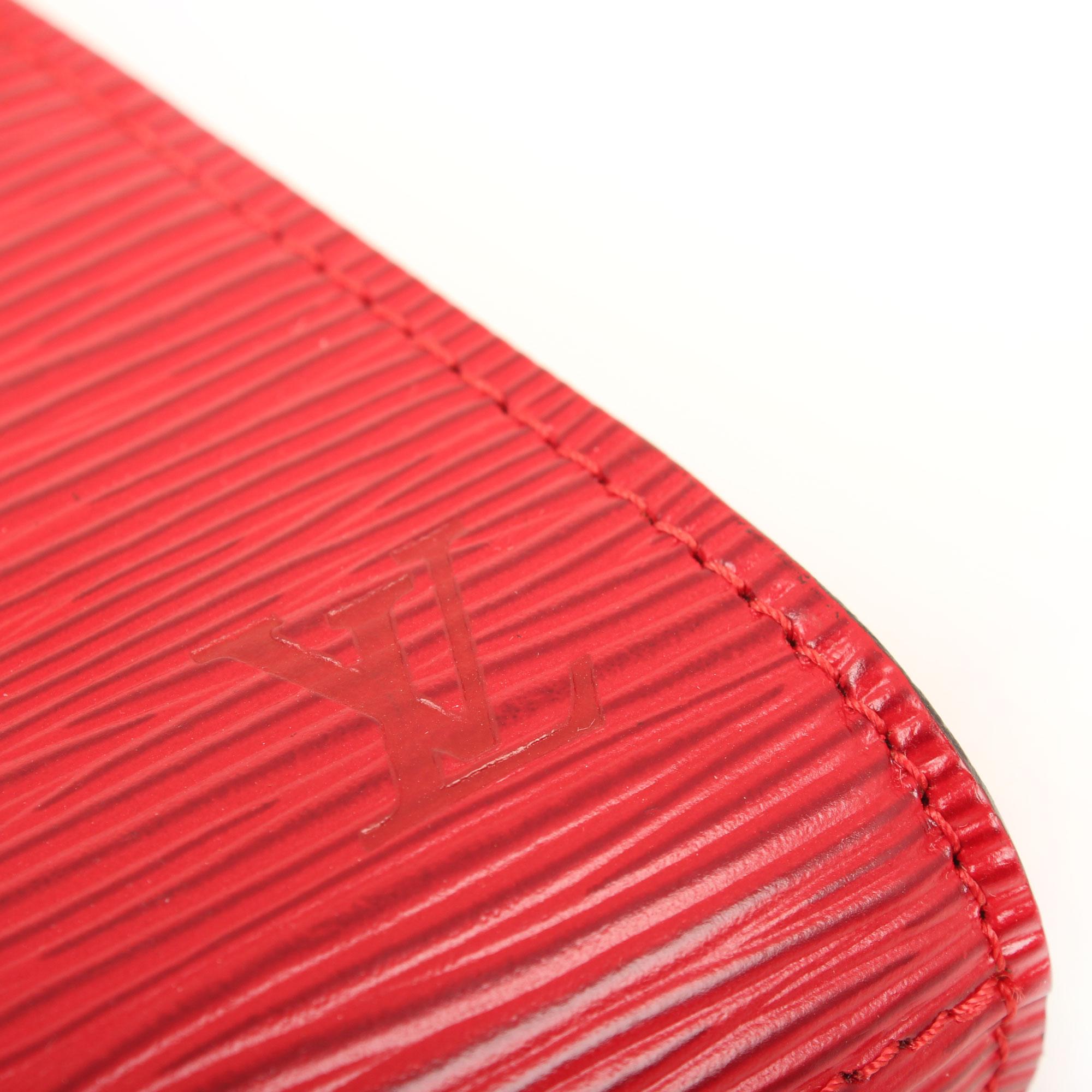 Imagen del logo del clutch louis vuitton vintage piel epi rojo