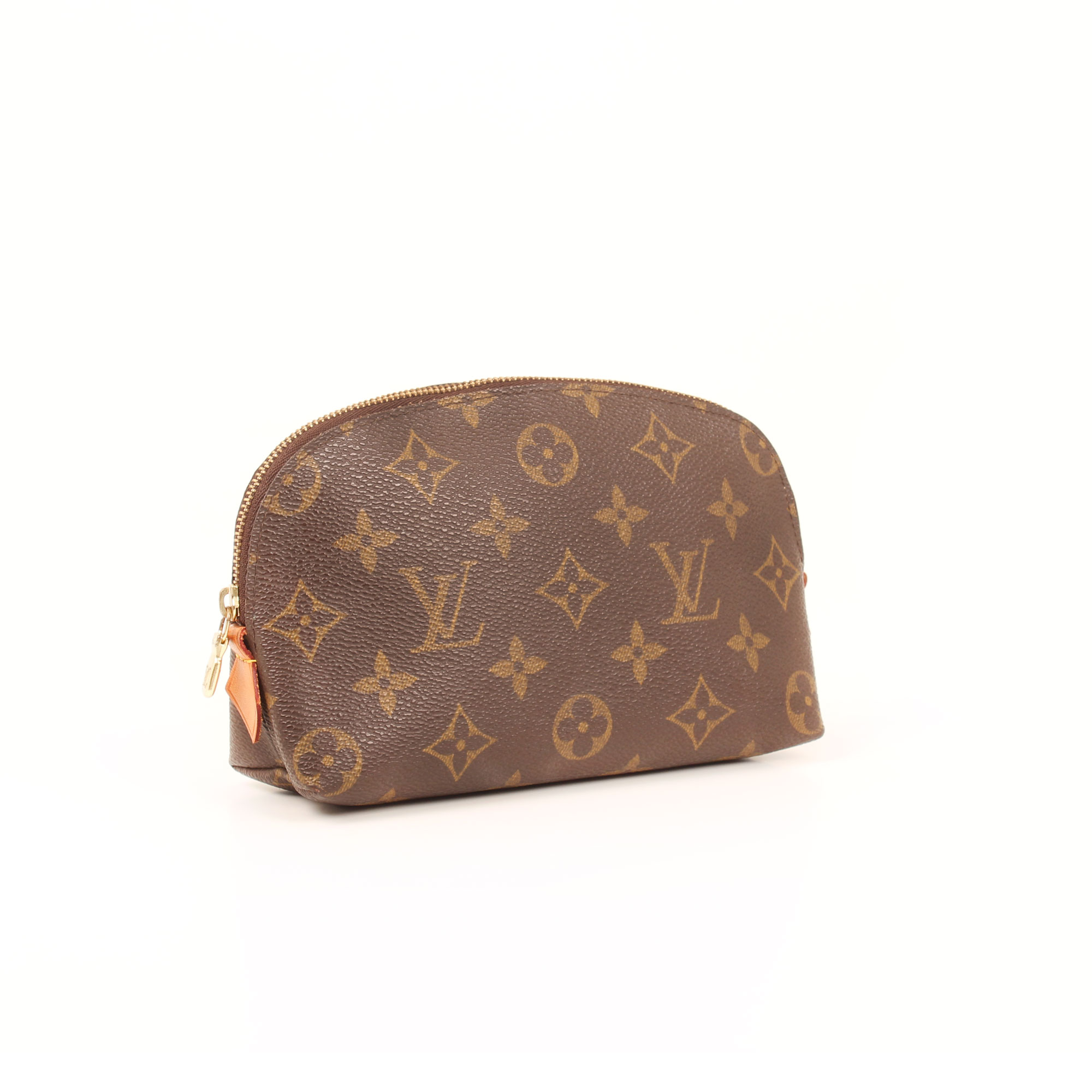 General imagen of louis vuitton cosmetic pouch monogram
