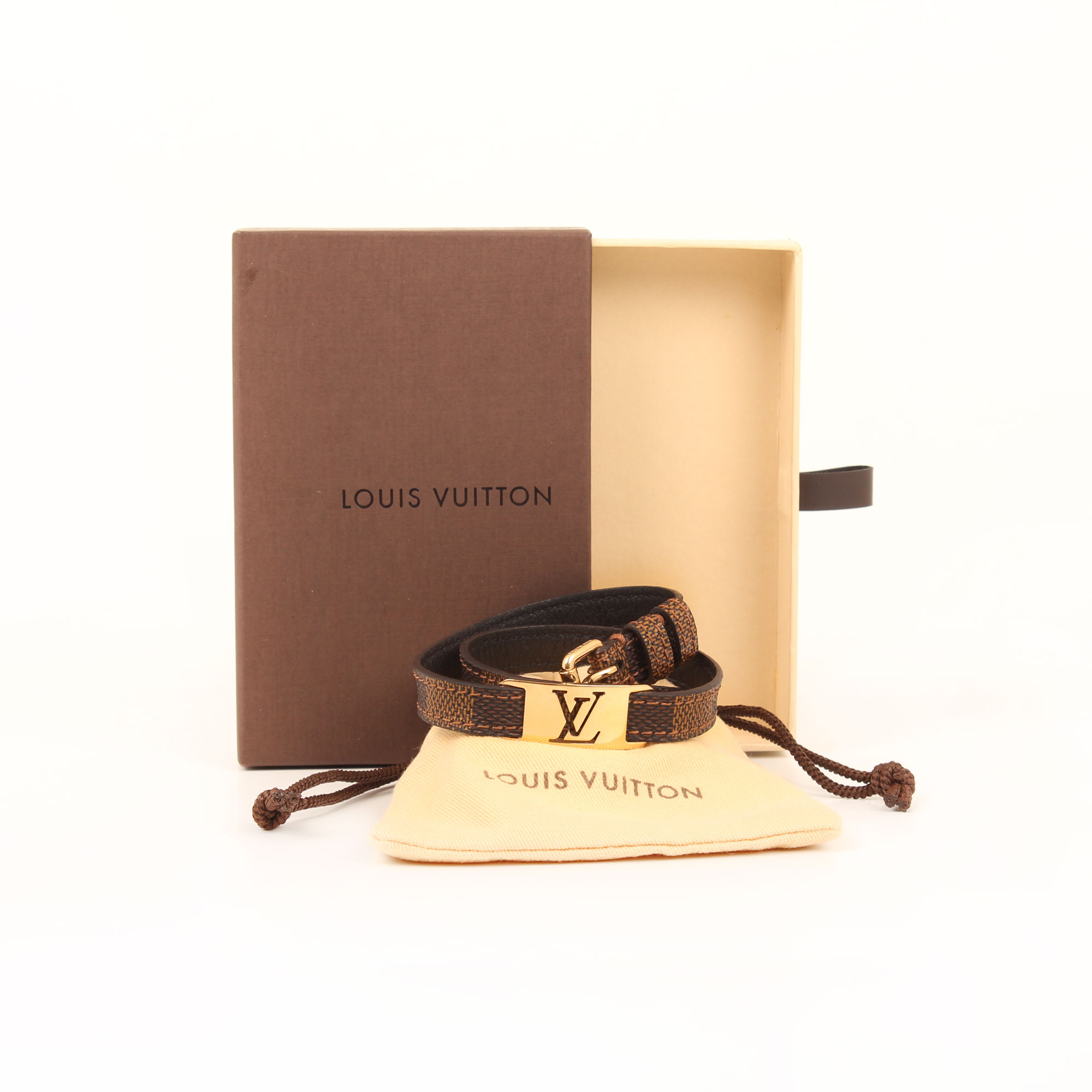 Imagen de los extras de la pulsera louis vuitton sign it damier