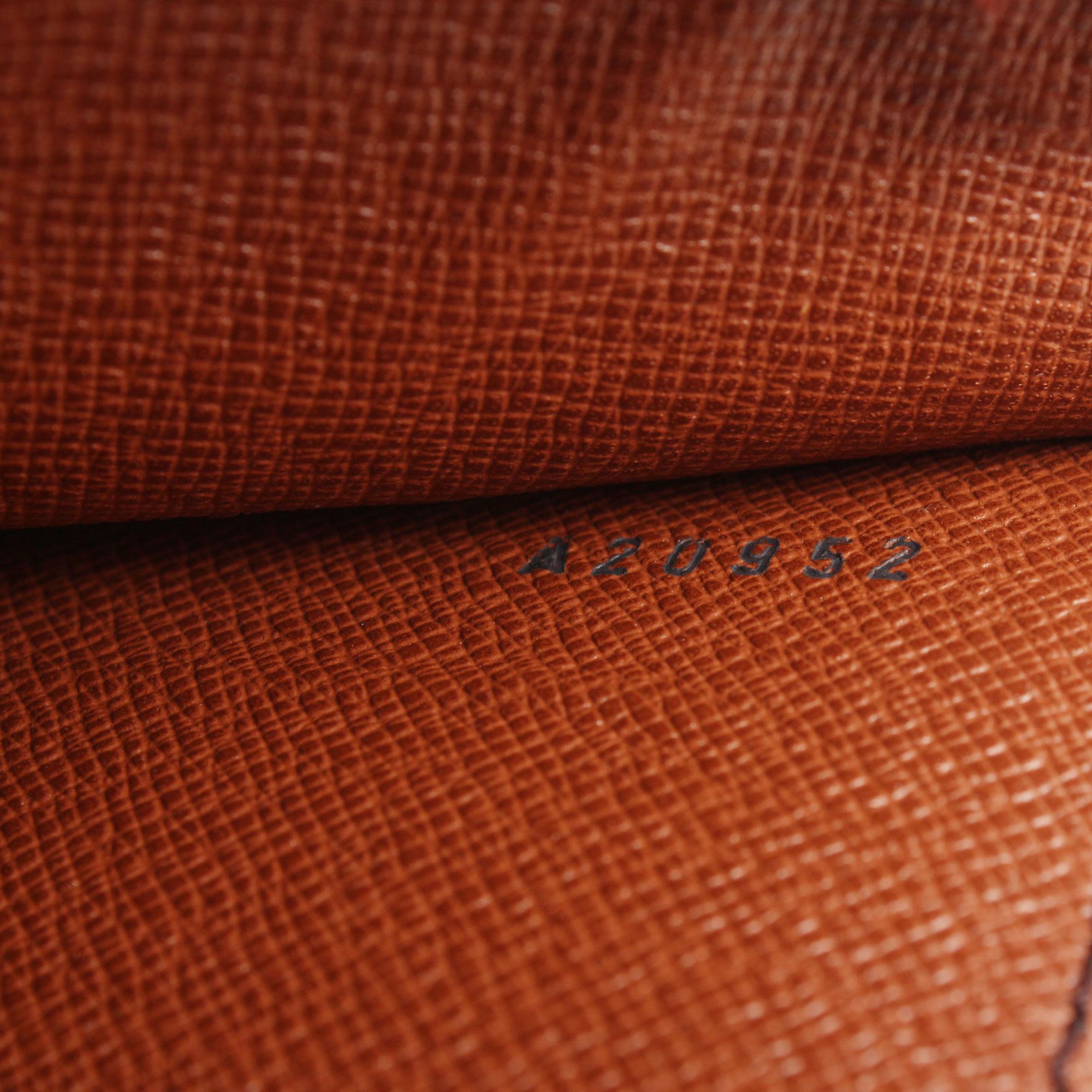 Imagen del serial number del bolso bandolera louis vuitton monceau 28 monogram