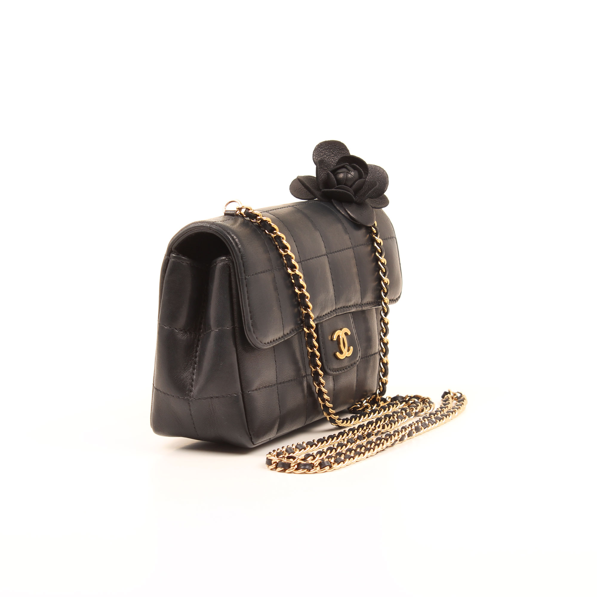 Imagen general del bolso chanel mini crossbody chocolate bar navy blue camelia