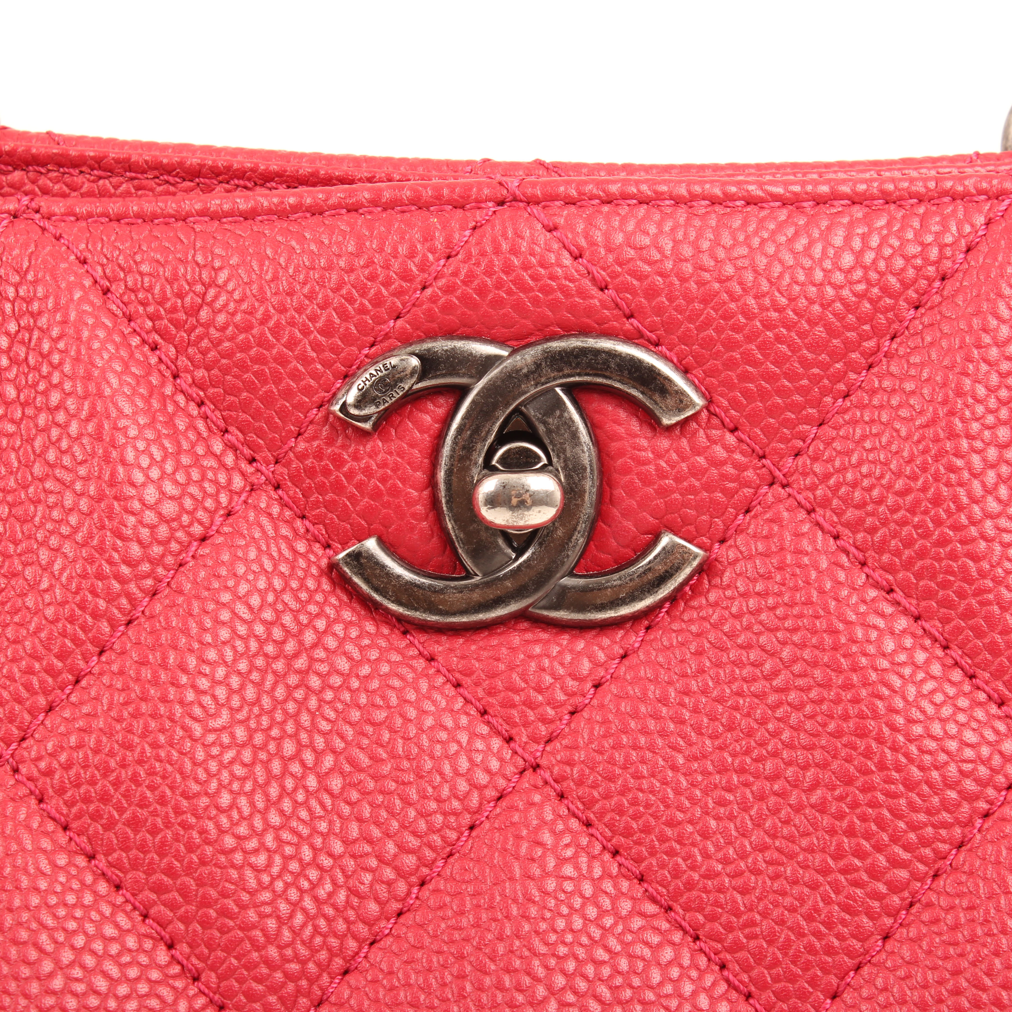 chanel bag tote in chains caviar leather strawberry CC turnlock