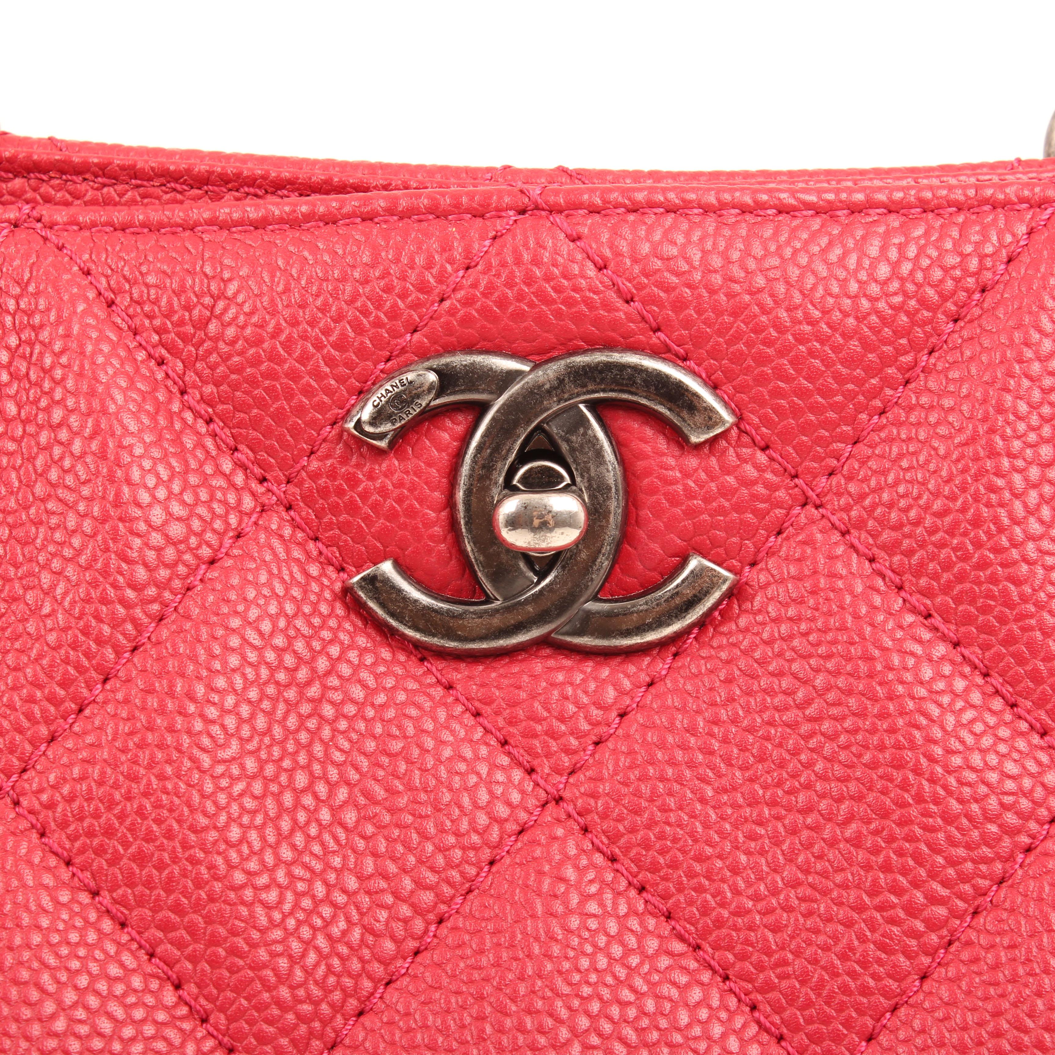 bolso chanel tote in chains piel caviar fresa cierre CC