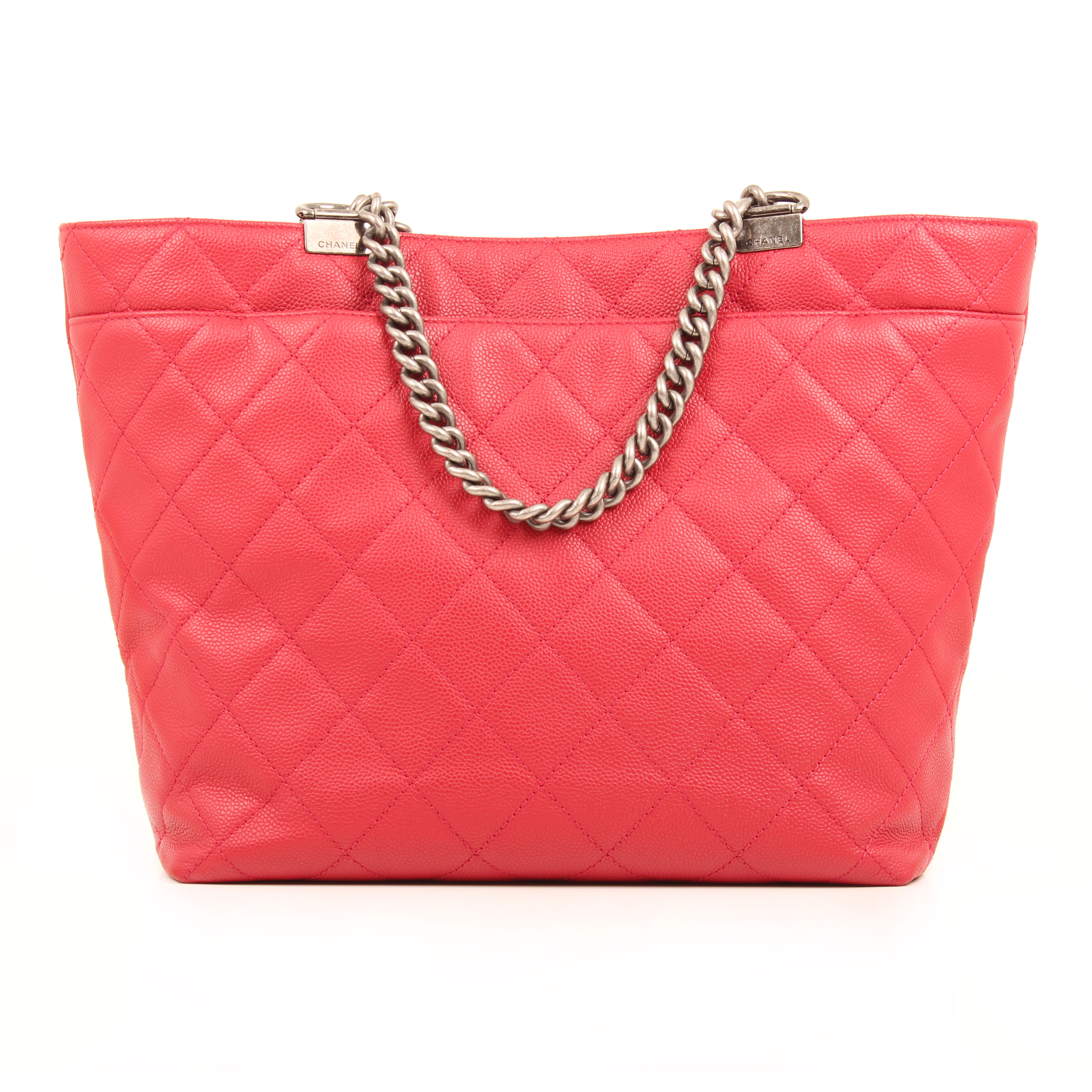 chanel bag tote in chains caviar leather strawberry back