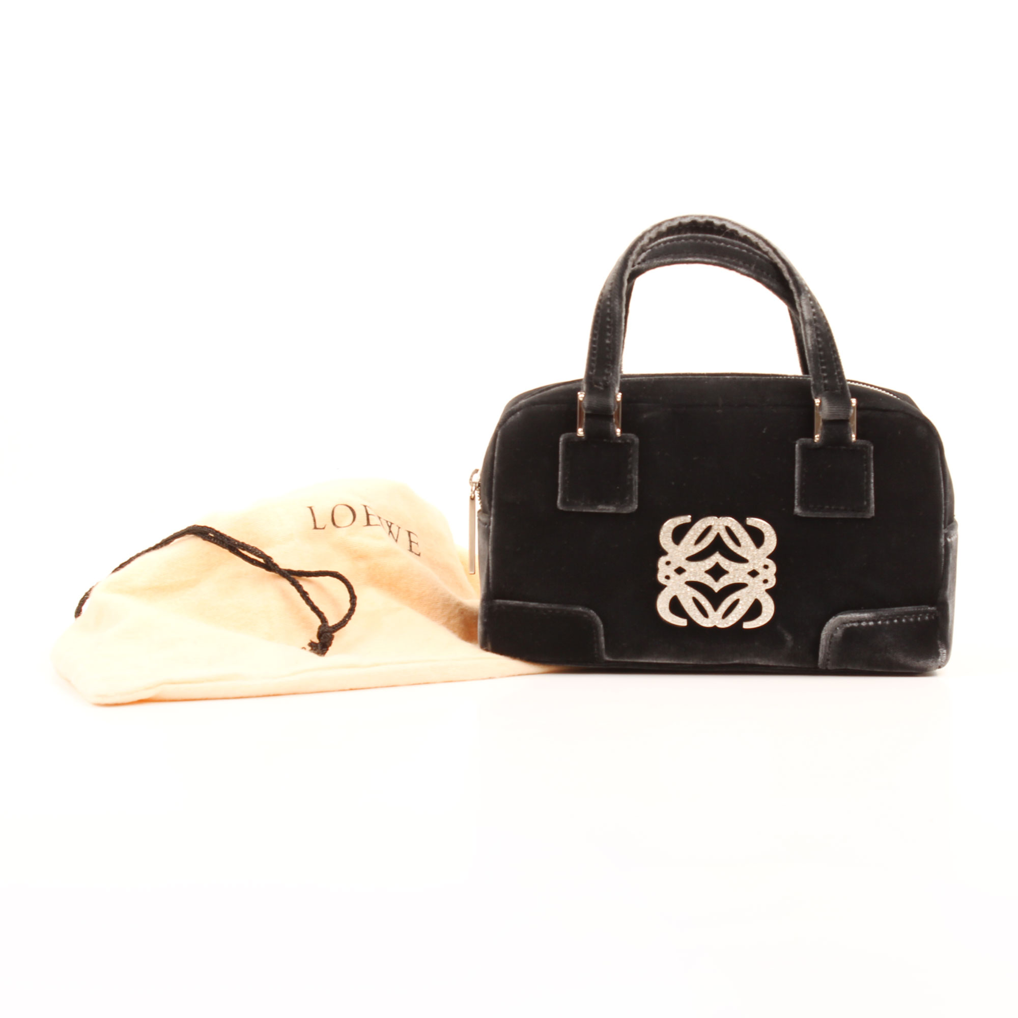 Imagen de la funda del bolso loewe amazona bb negro terciopelo