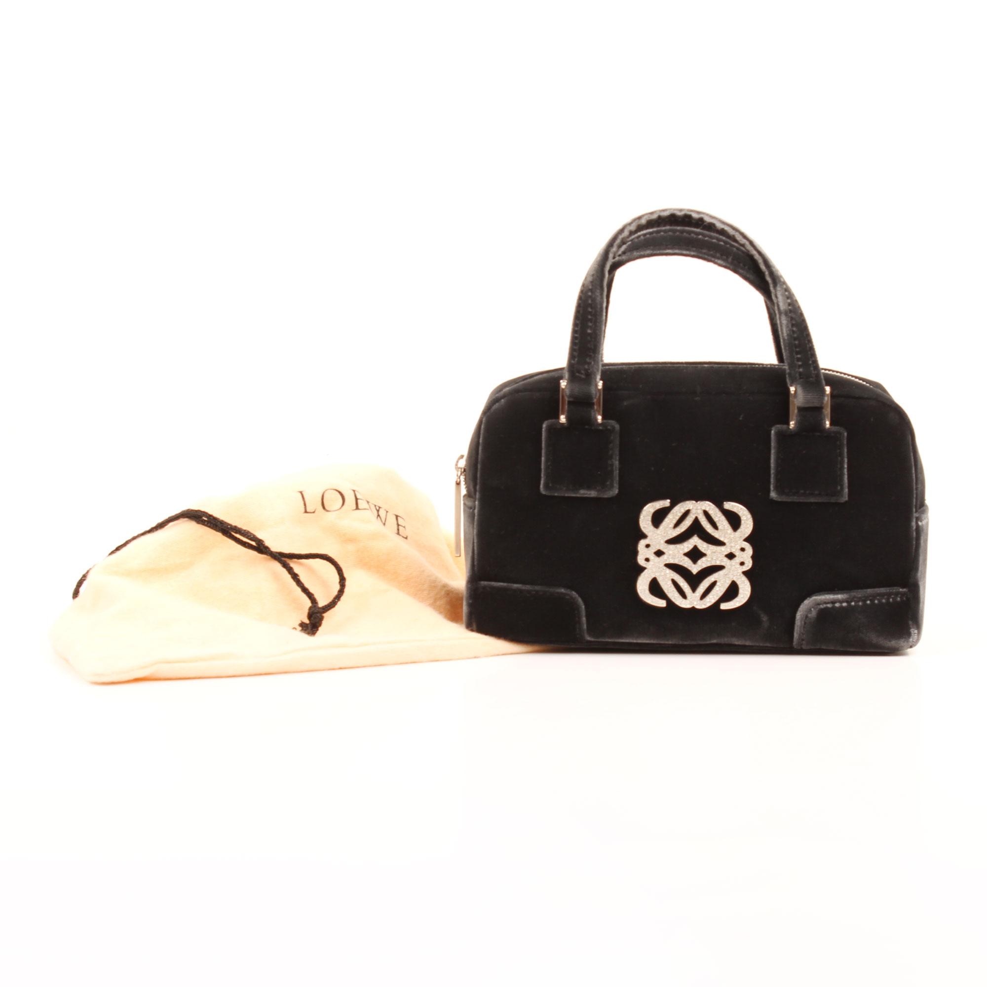 Imagen de la funda del bolso de mano loewe amazona bb negro terciopelo