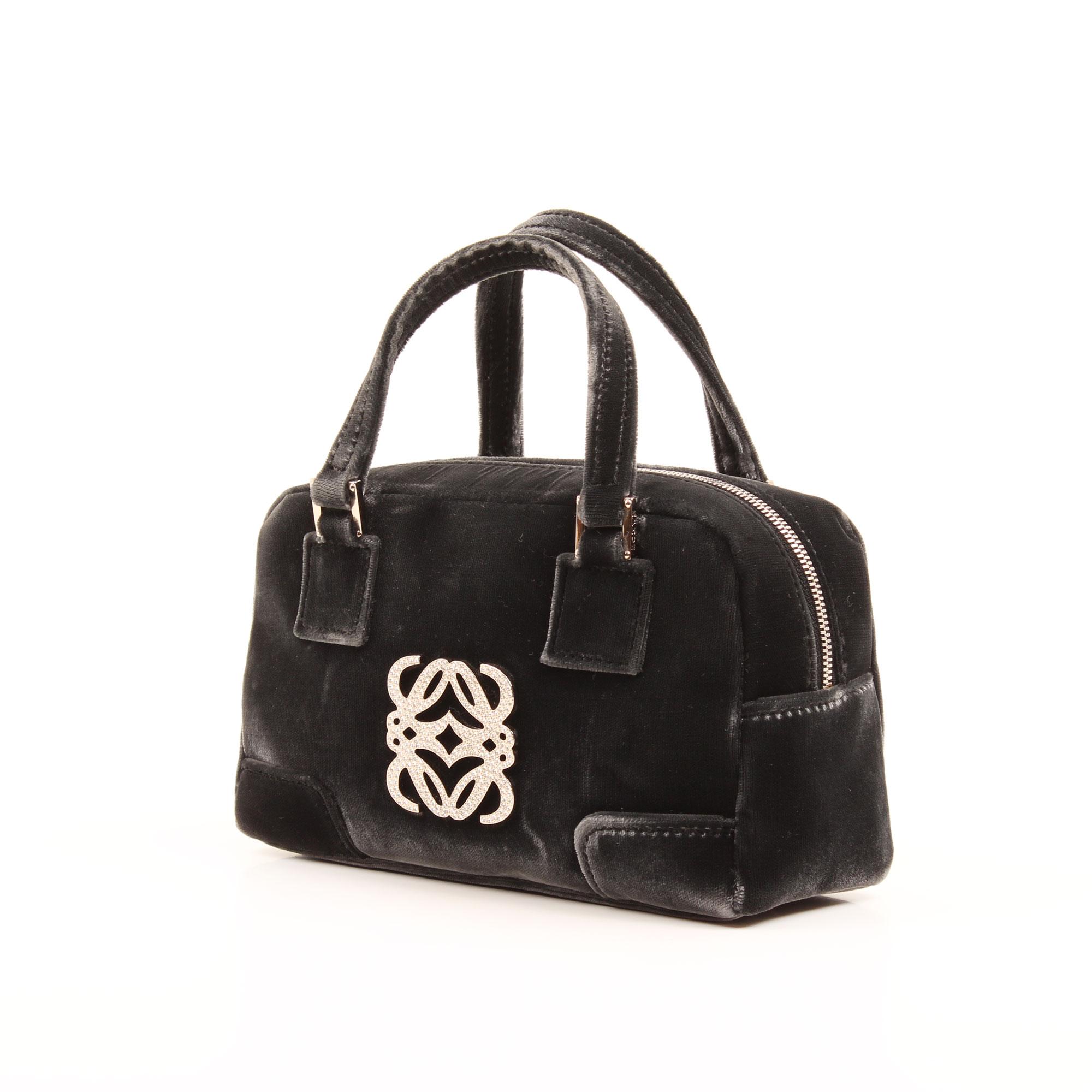 Imagen general del bolso de mano loewe amazona bb negro terciopelo