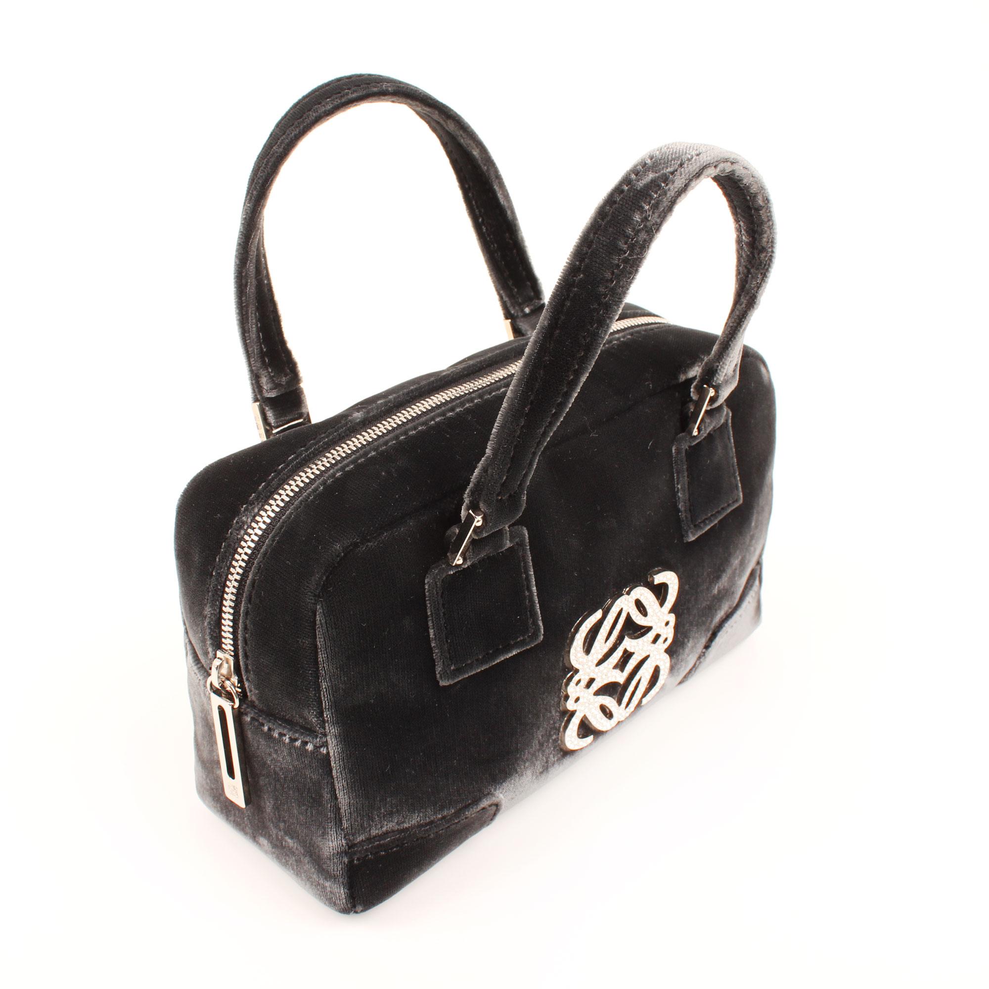 Imagen general del bolso de mano loewe amazona bb negro