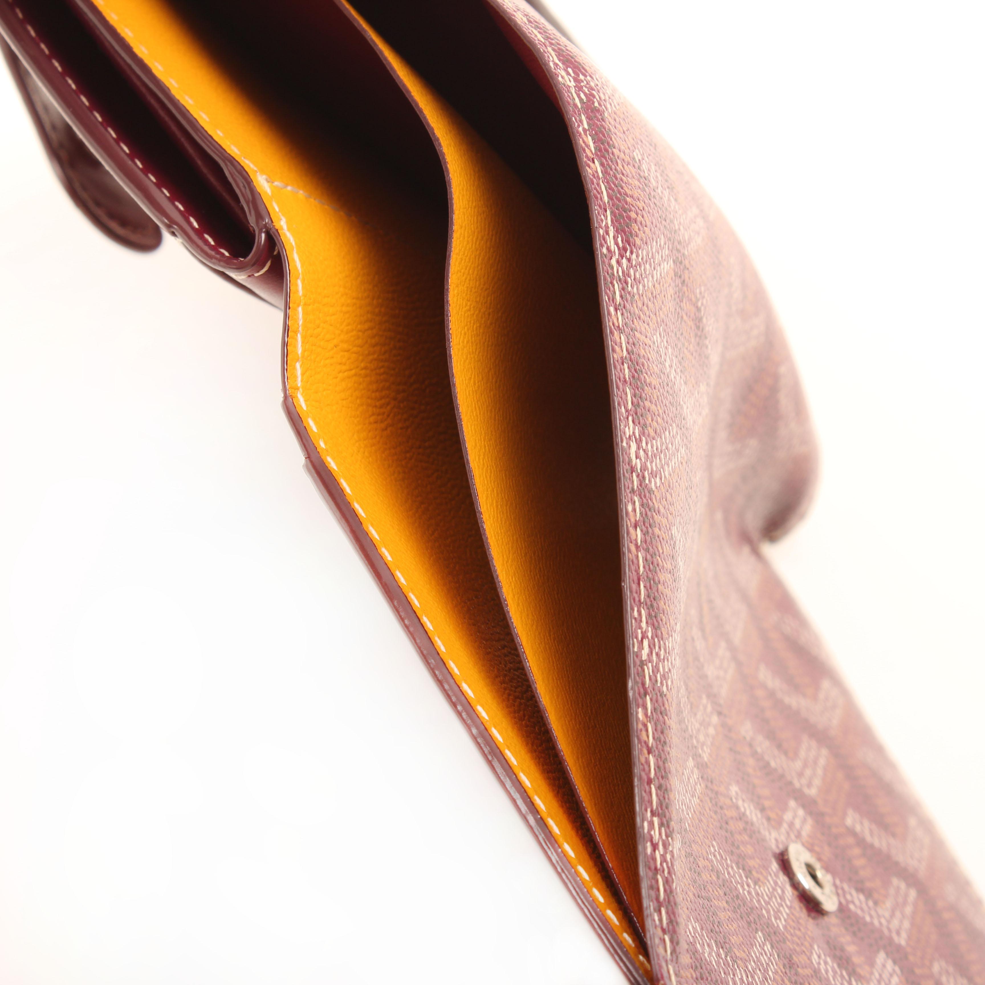cartera goyard compact chevron goyardine piel lona berenjena amarillo billetera
