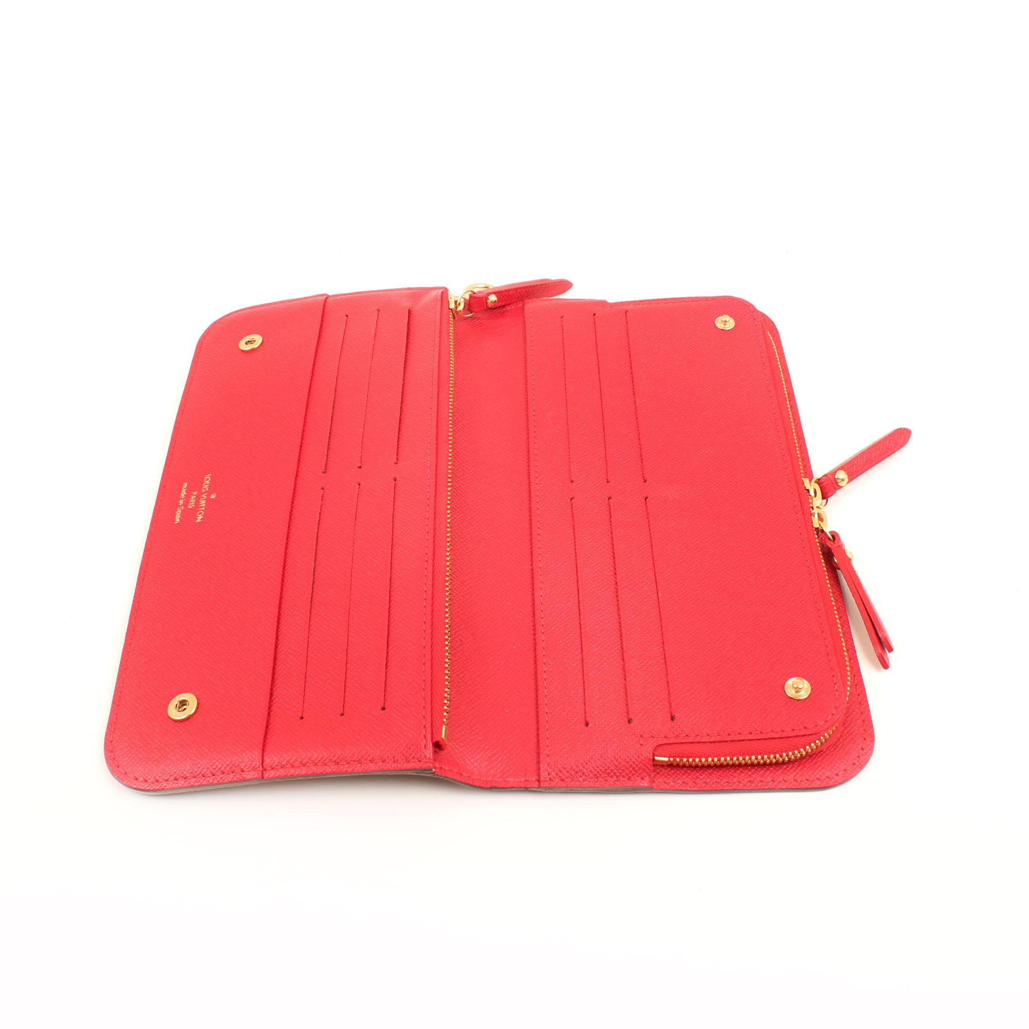 Imagen del interior de la cartera louis vuitton insolite monogram interior rojo