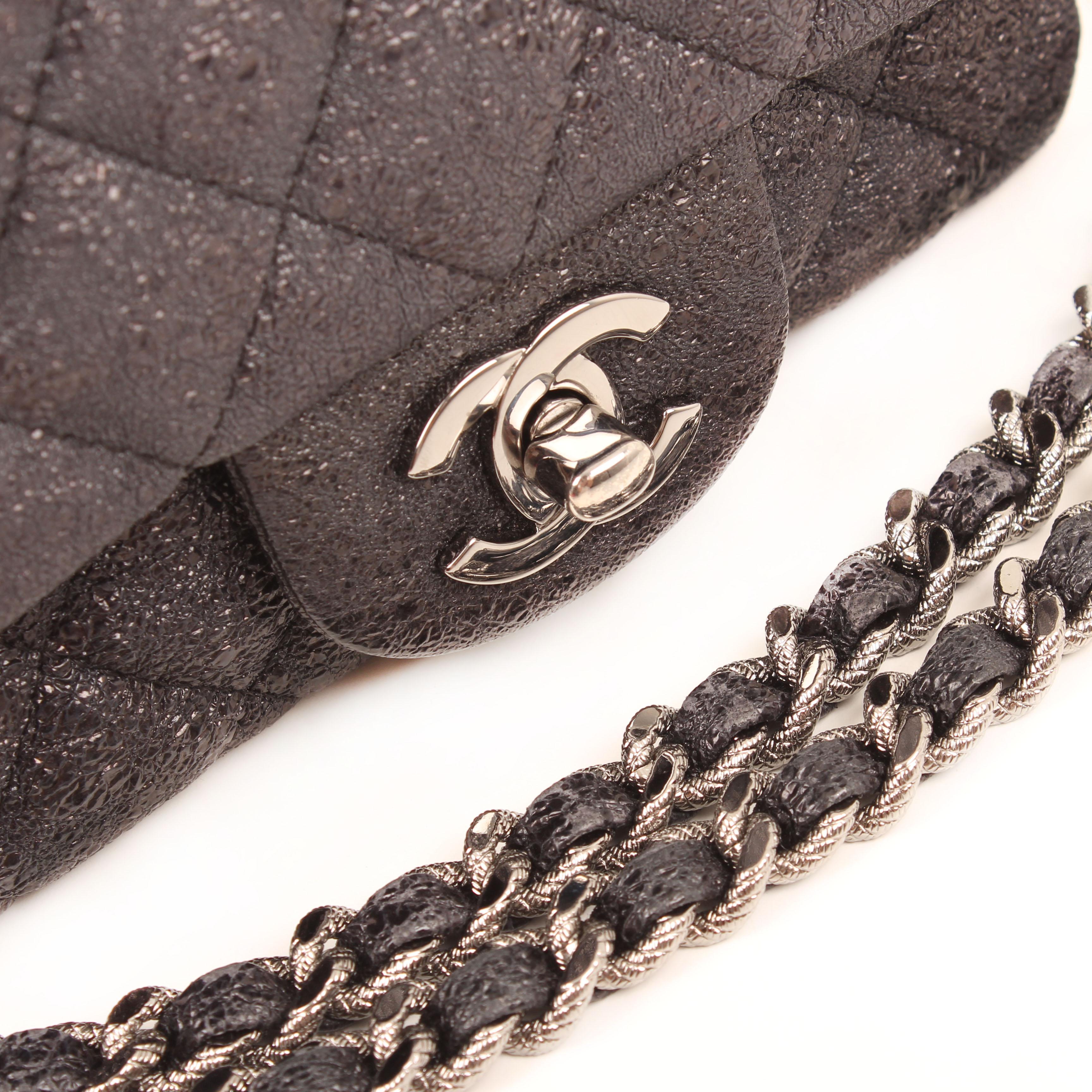 bolso cruzado chanel mini crackled calfskin gris cierre cadena