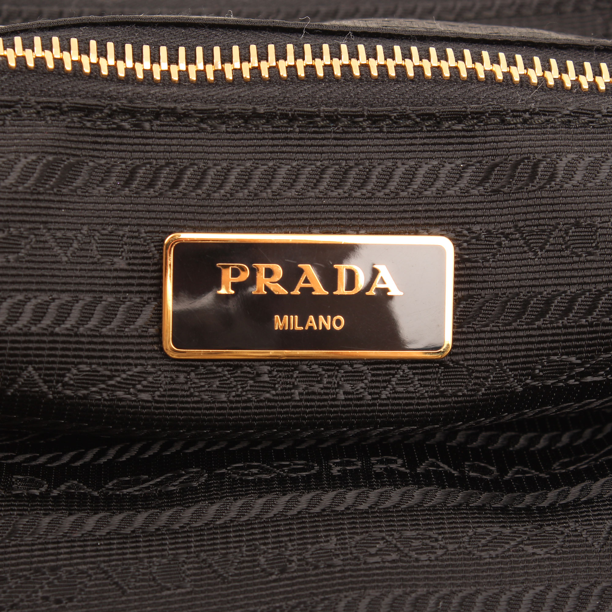bolso prada saffiano nylon negro marca