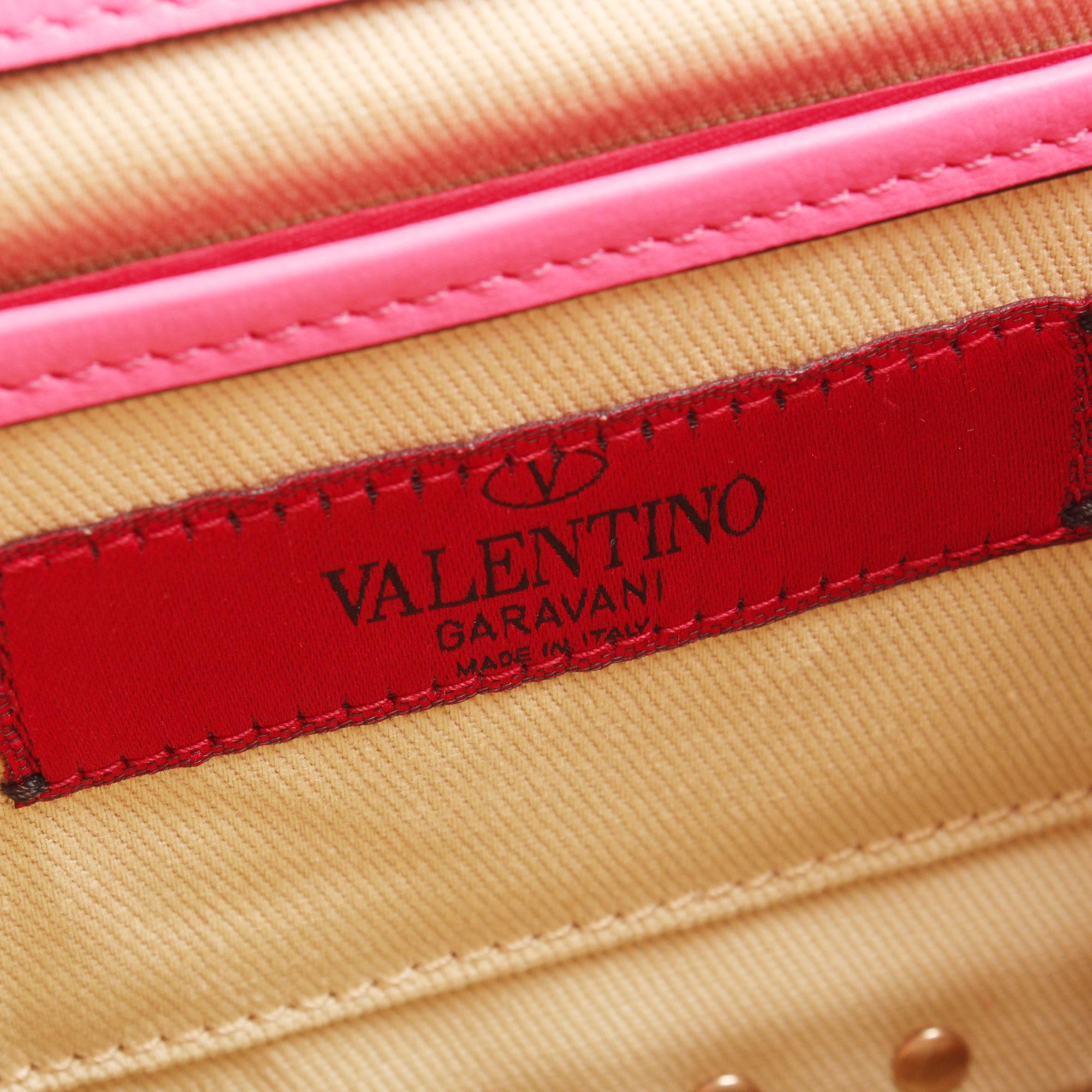 Imagen de la etiqueta de la marca del bolso valentino mini rockstud rosa