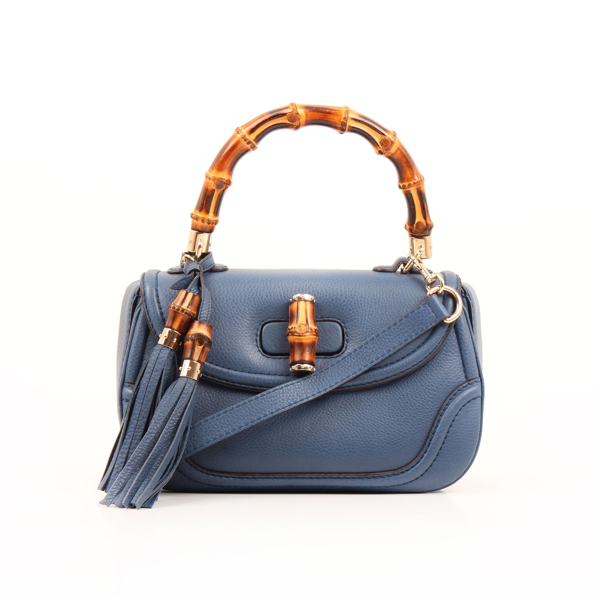 Imagen frontal del bolso gucci new bamboo mediano azul