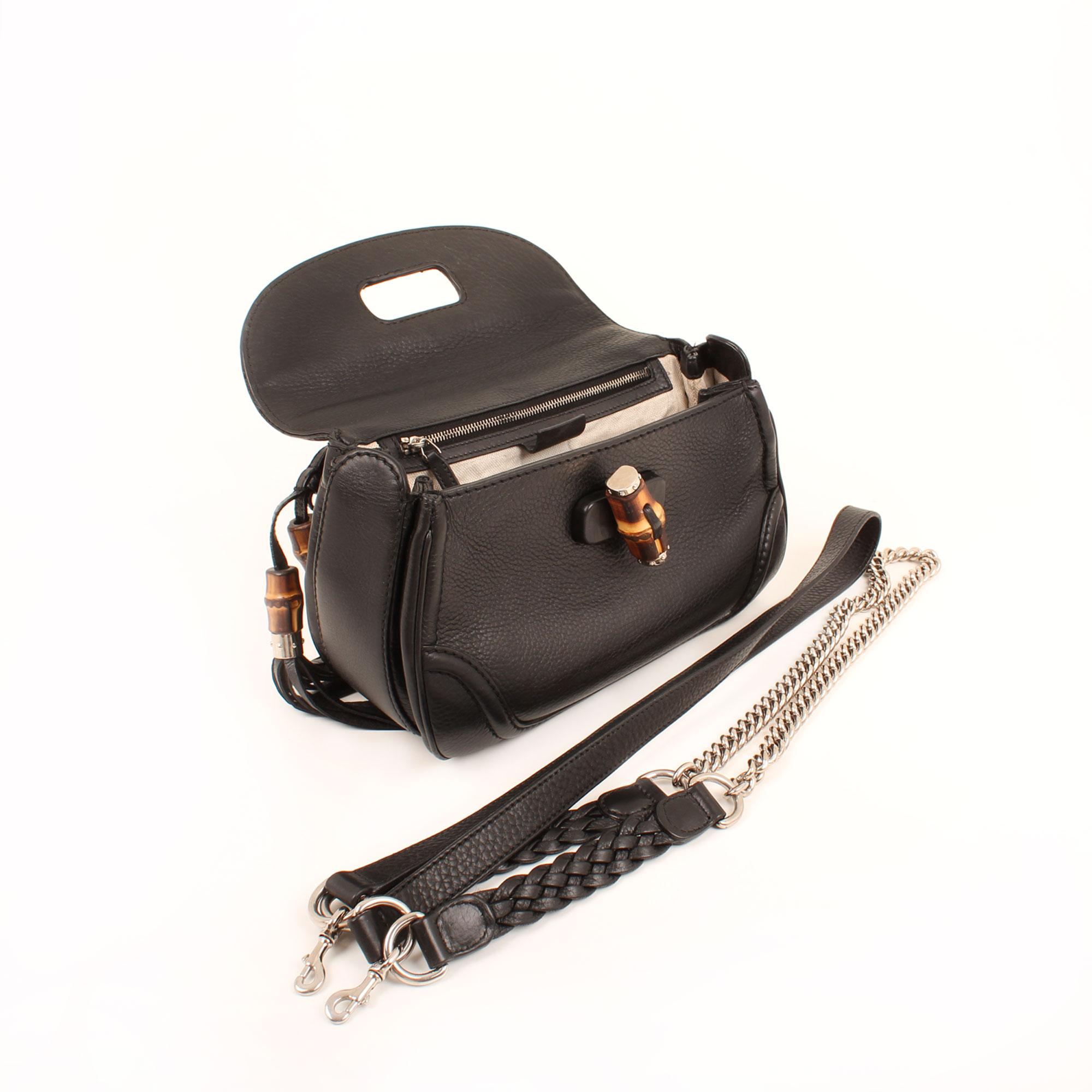 Imagen del bolso abierto y sin bandolera bolso gucci new bamboo negro