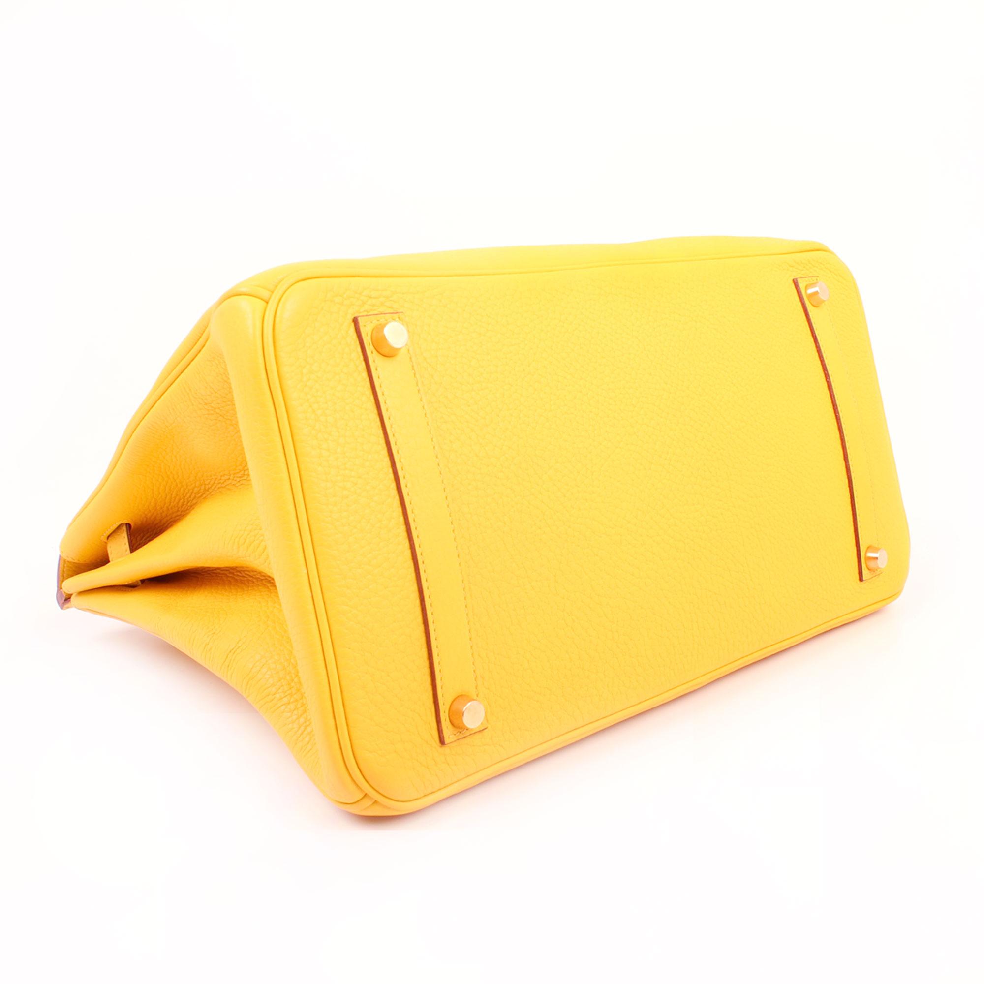 Imagen de las esquinas del bolso hermes birkin 35 jaune piel togo