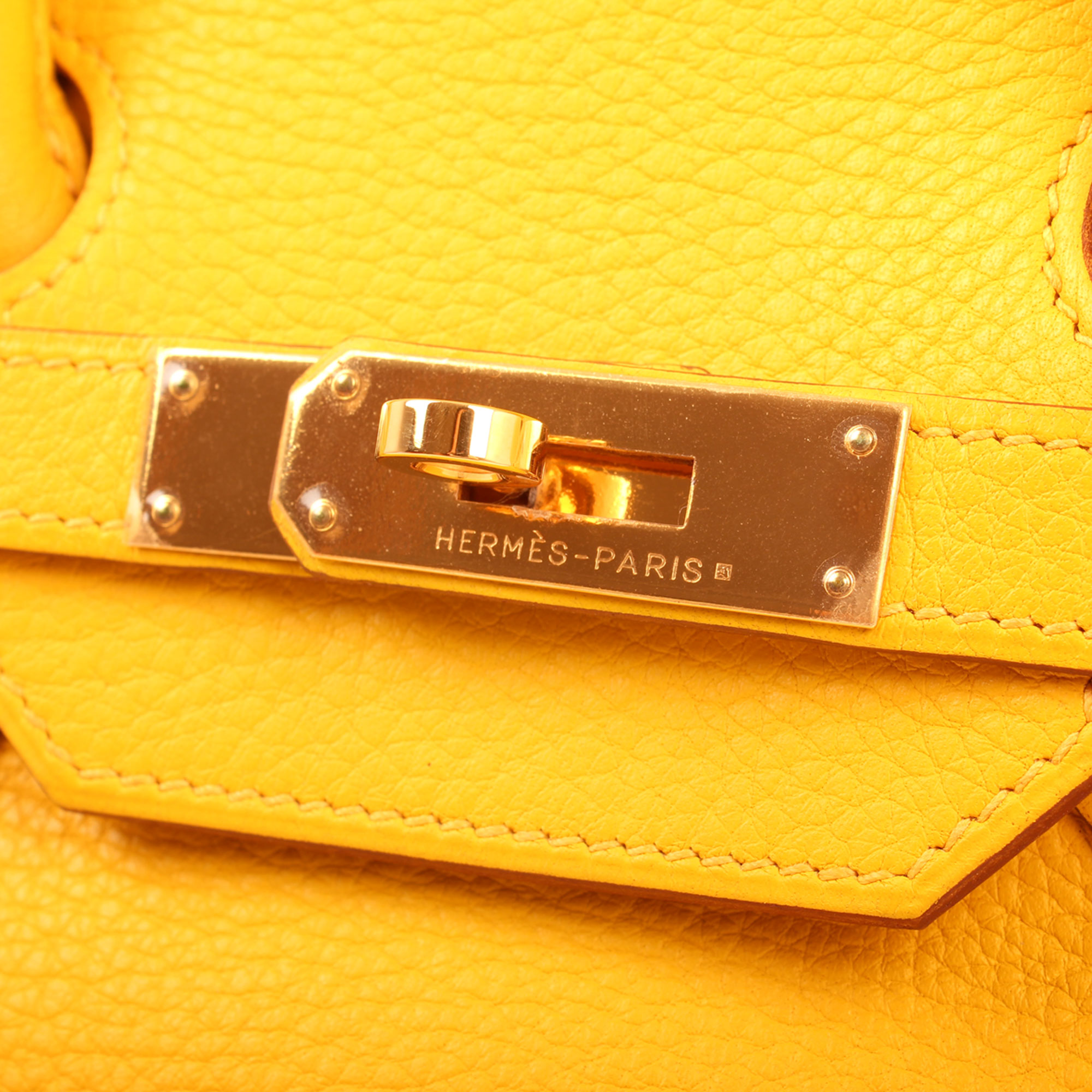 Hardware detail image of hermes birkin 35 jaune togo leather base