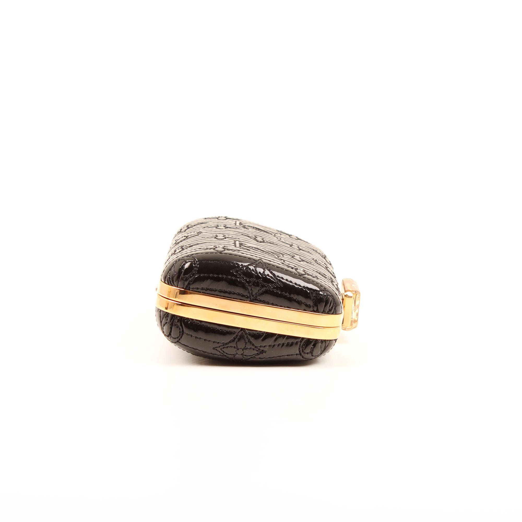 Imagen general del clutch louis vuitton motard afterdark negro frontal