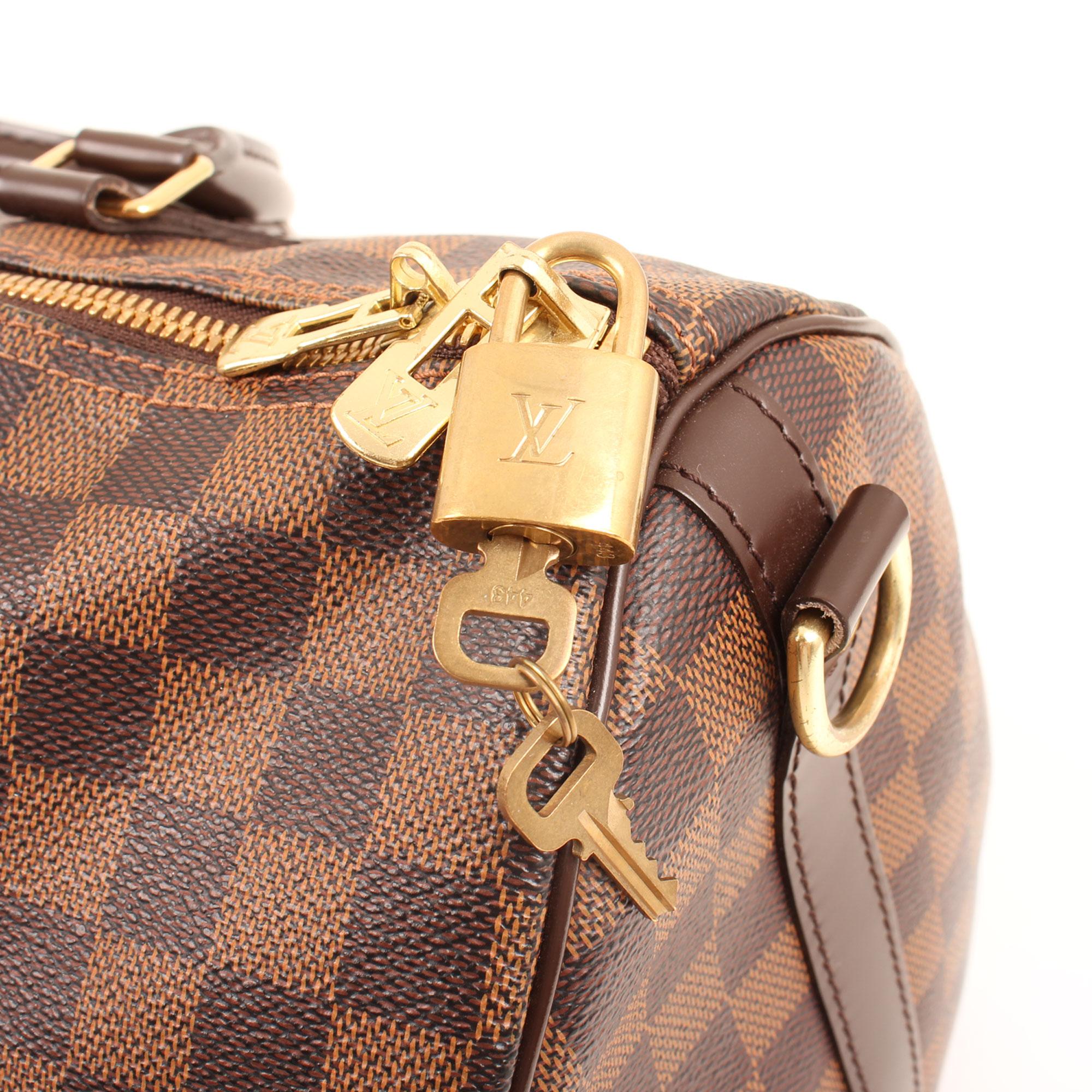 Imagen del bolso louis vuitton speedy 35 bandolera damier ebene llaves
