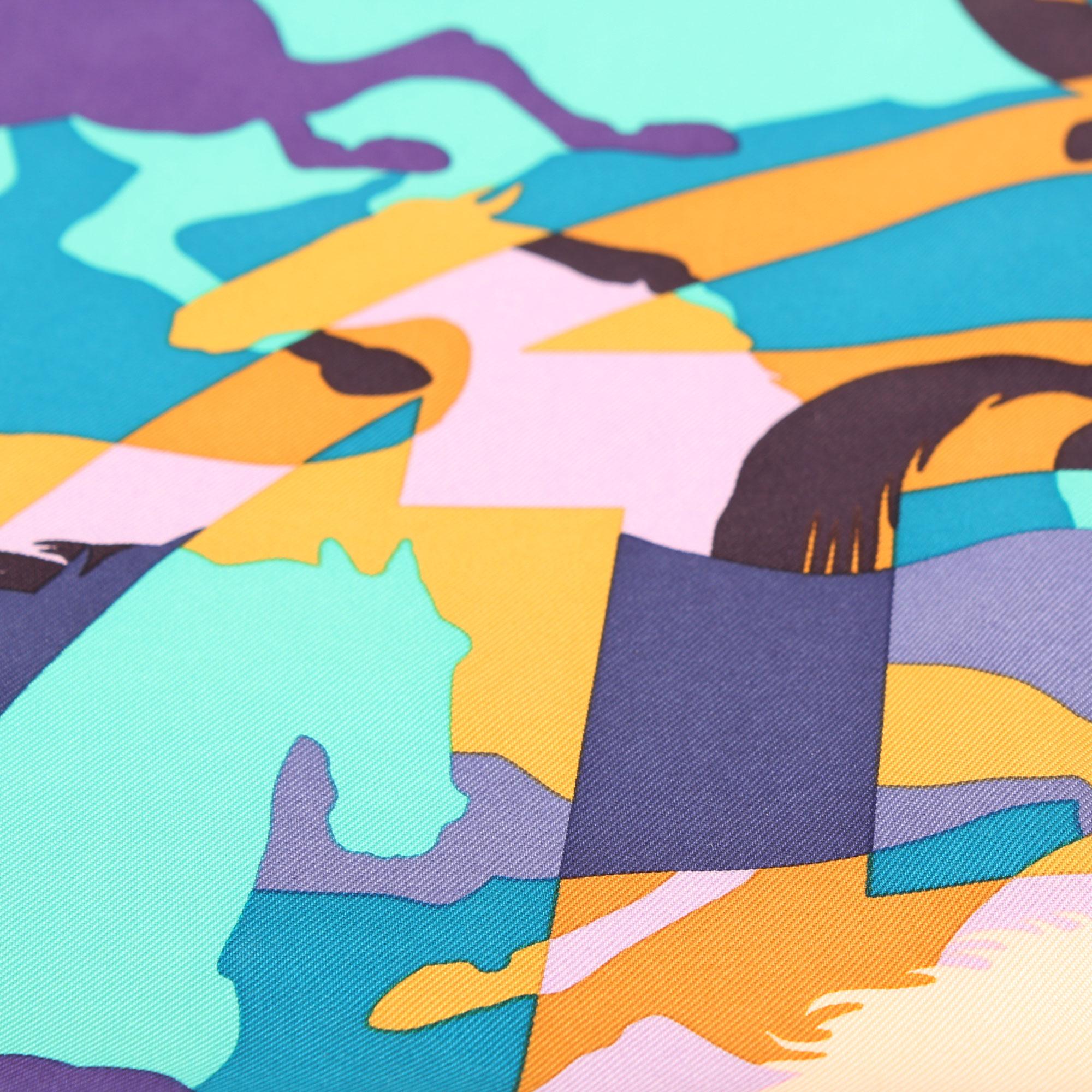 imagen de detalle del hermes carre ex libris en camouflage