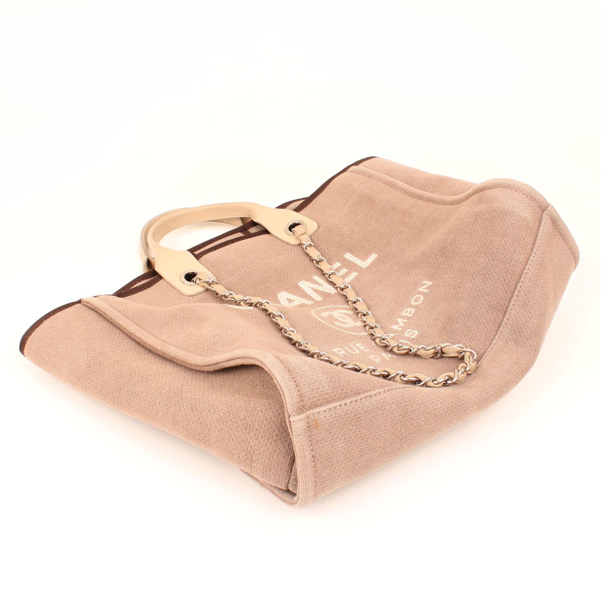 Imagen del bolso plegado del bolso chanel ecru deauville tote