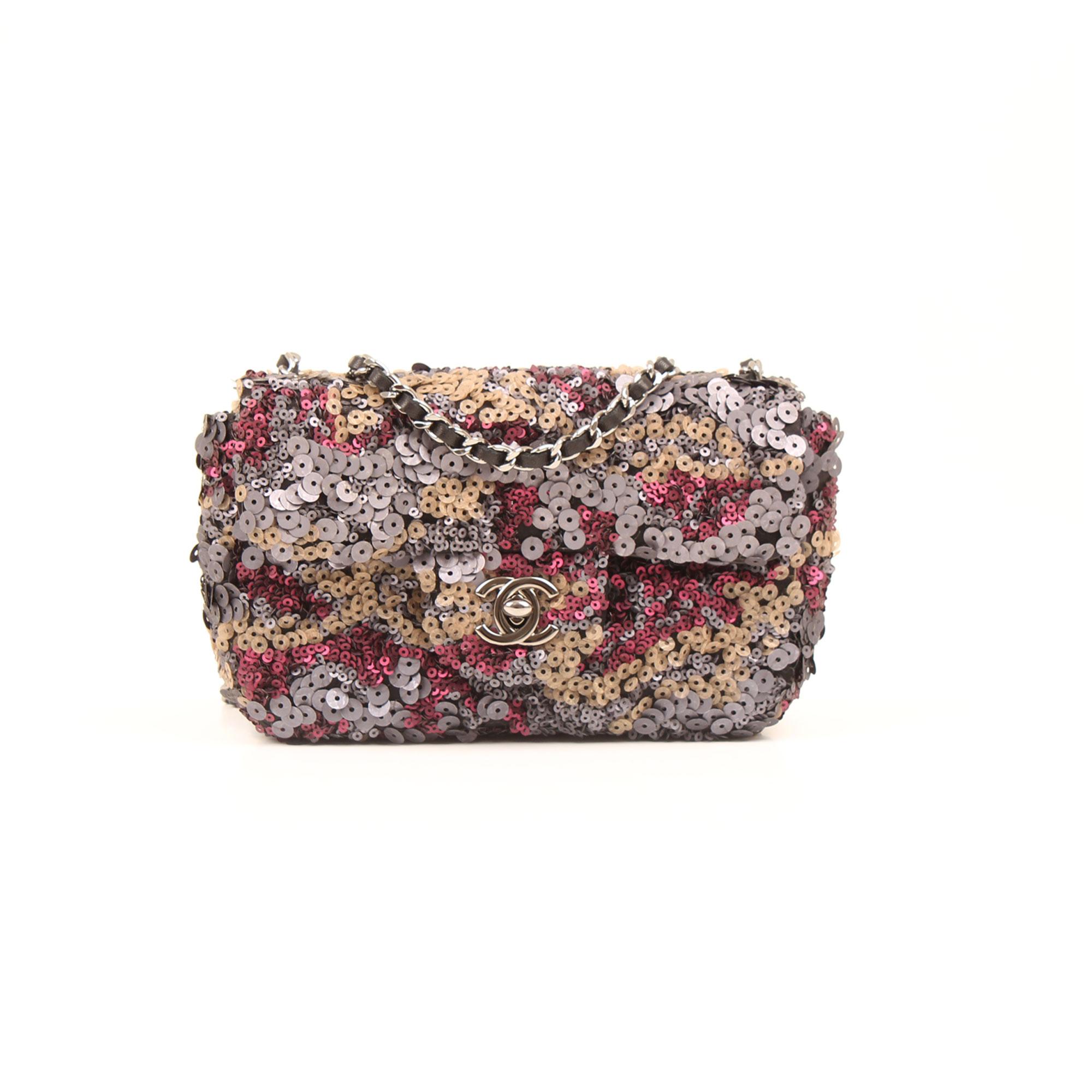 997ab5c32357 Imagen del dustbag del bolso chanel mini classic flap lentejuelas multicolor