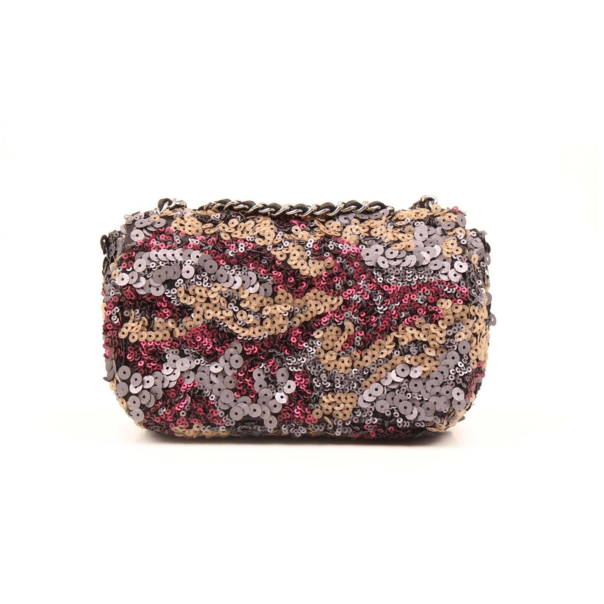 imagen trasera del bolso chanel mini classic flap lentejuelas multicolor