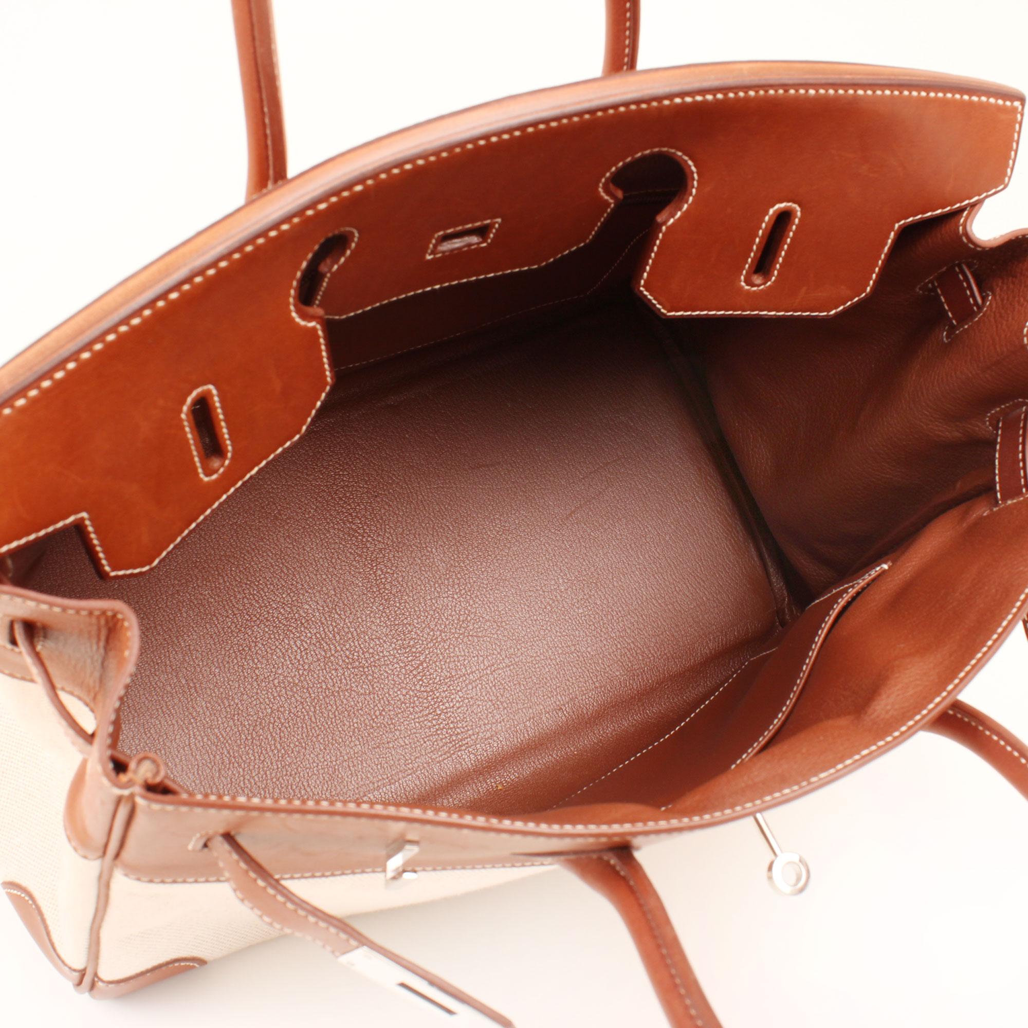 Imagen del interior del bolso hermes birkin 35 barenia lona