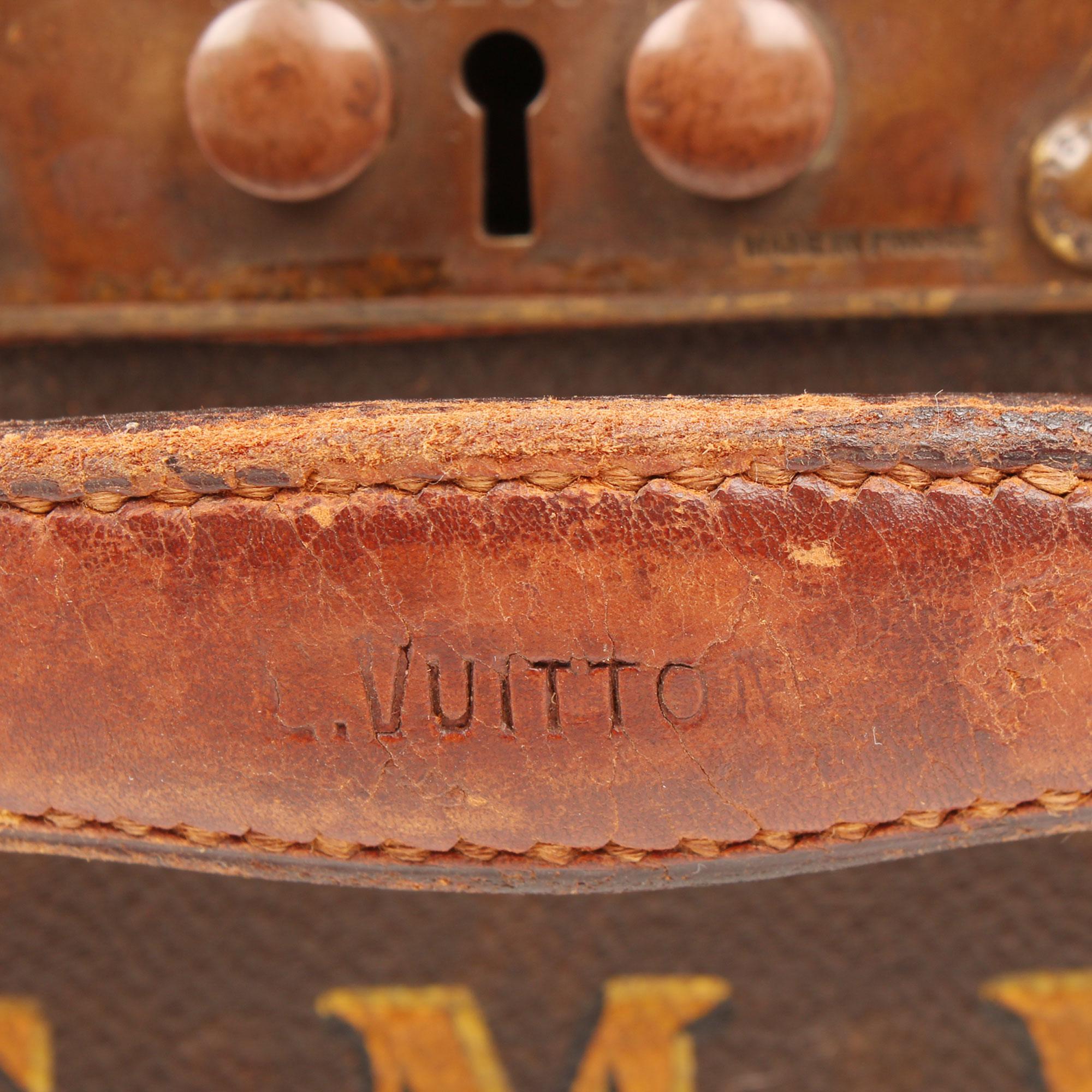 Imagen del herraje 2 de la sombrera louis vuitton vintage monogram cuadrada